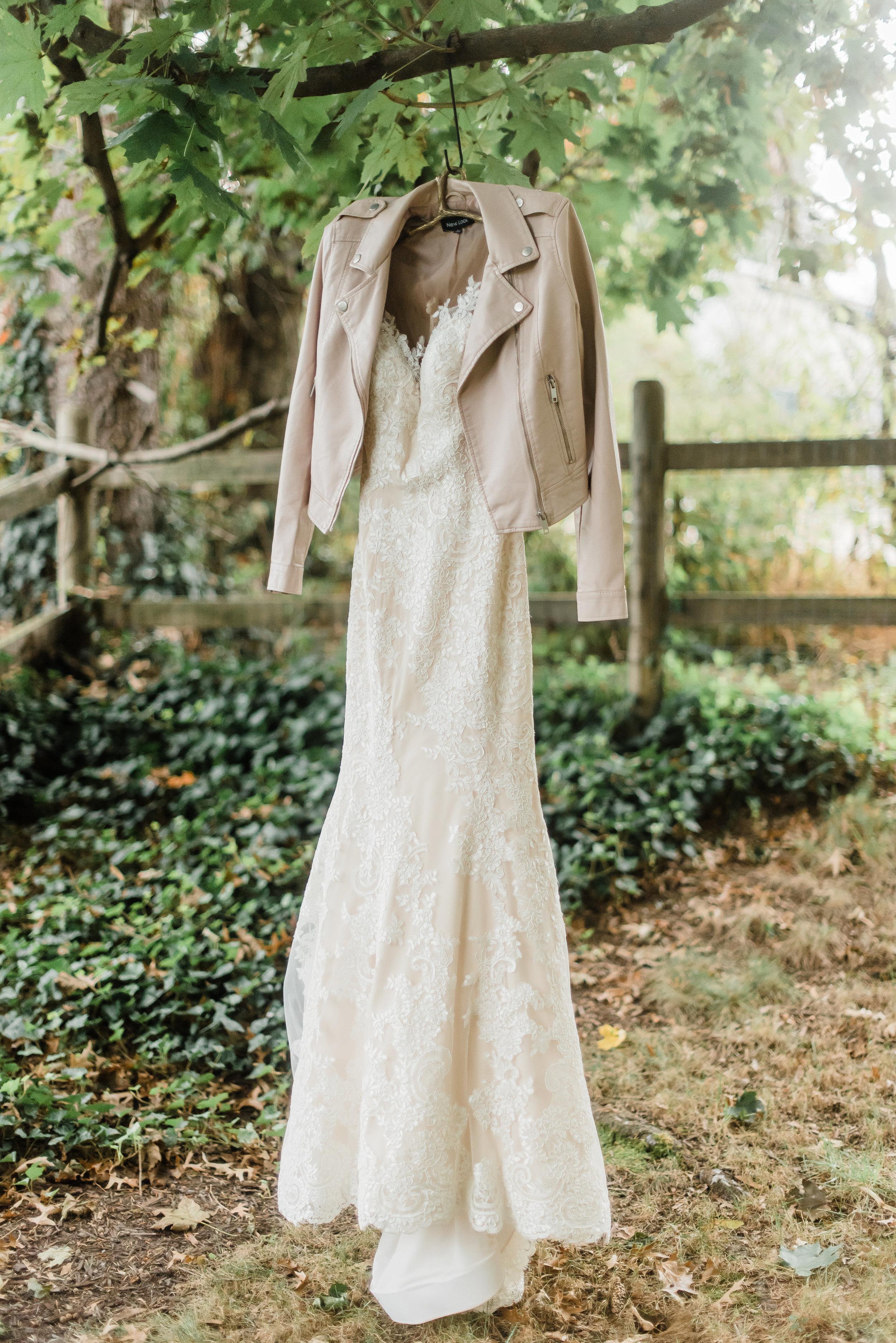 pittsburgh-wedding-photographer-modern-greenery-edgewoodclub-boho0123.jpg