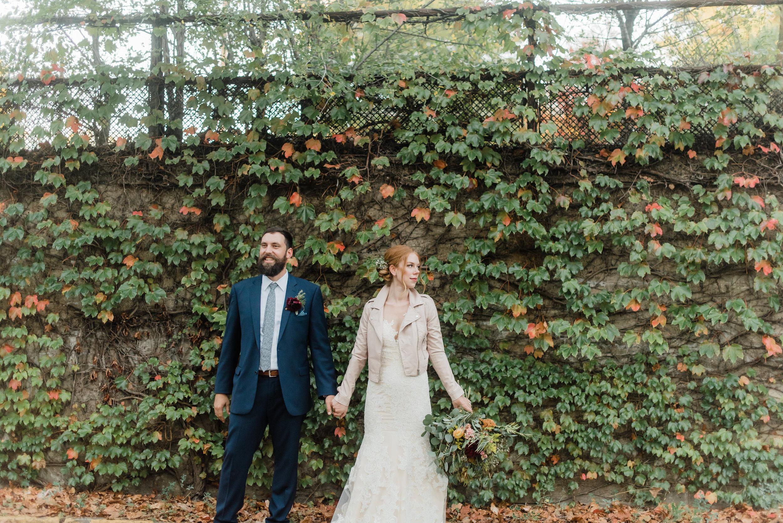 pittsburgh-wedding-photographer-modern-greenery-edgewoodclub-boho0134.jpg