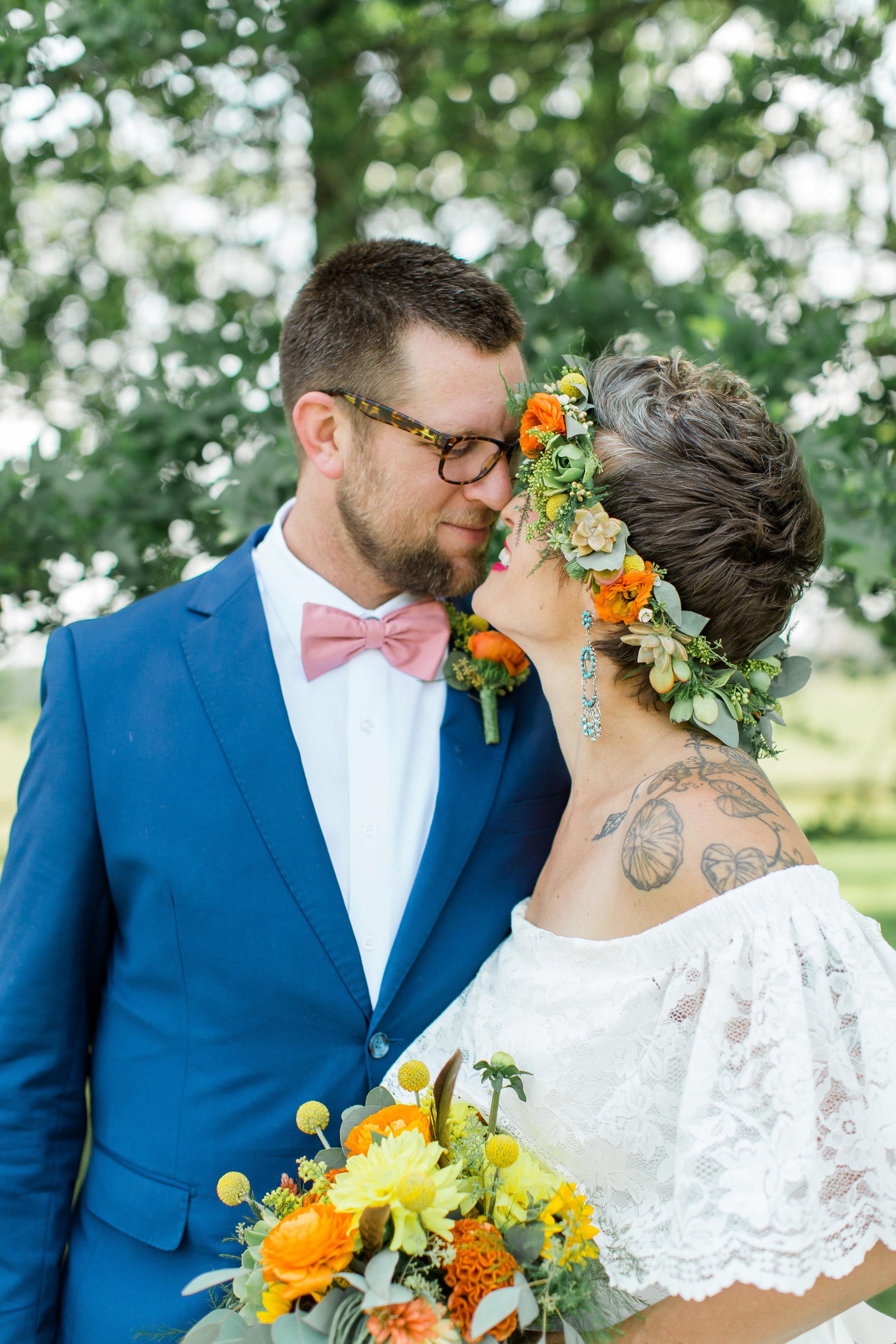 pittsburgh-wedding-photographer-armstrongfarms-eclectic-offbeat-boho0140.jpg