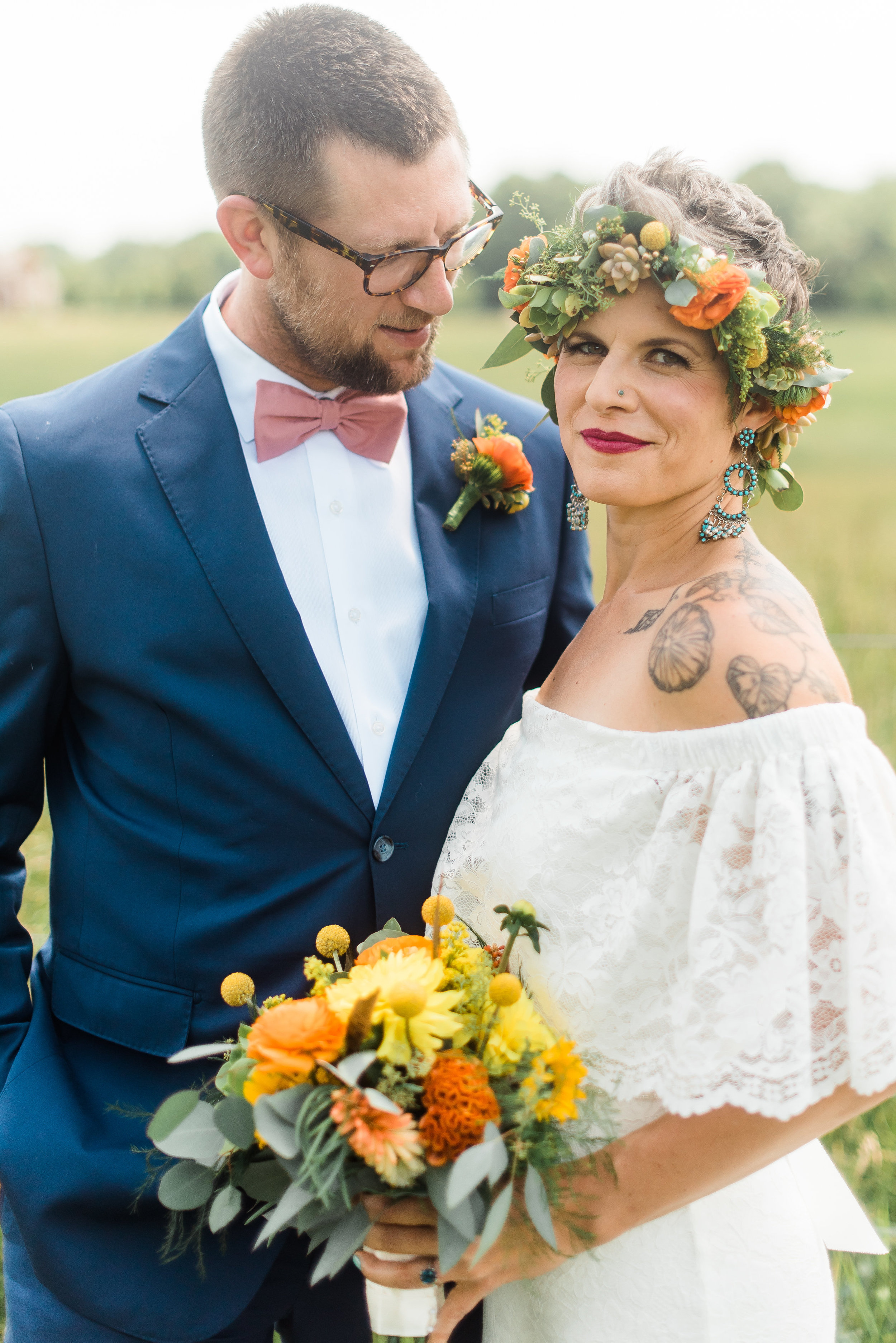 pittsburgh-wedding-photographer-armstrongfarms-eclectic-offbeat-boho0141.jpg