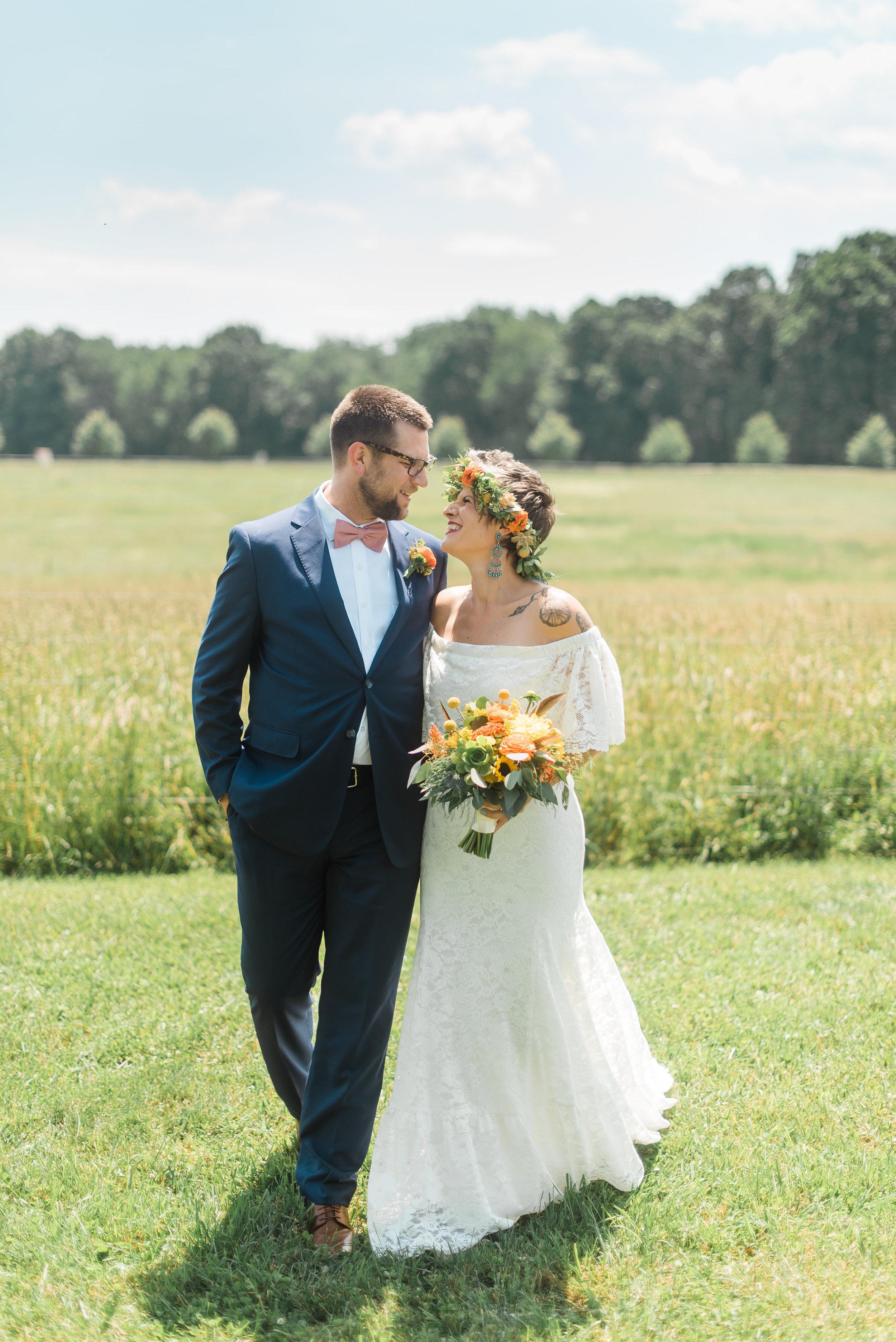 pittsburgh-wedding-photographer-armstrongfarms-eclectic-offbeat-boho0142.jpg