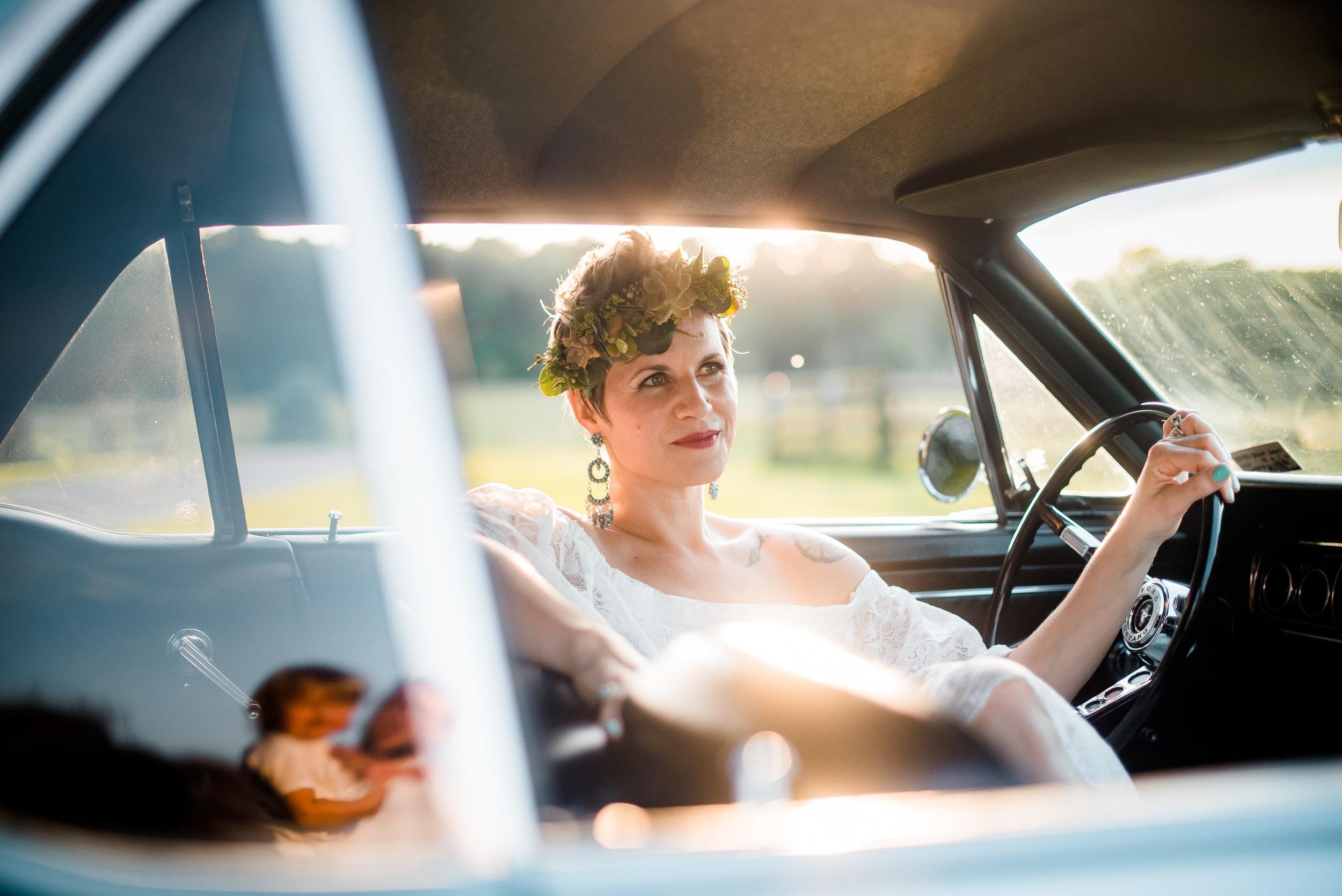 pittsburgh-wedding-photographer-armstrongfarms-eclectic-offbeat-boho0150.jpg