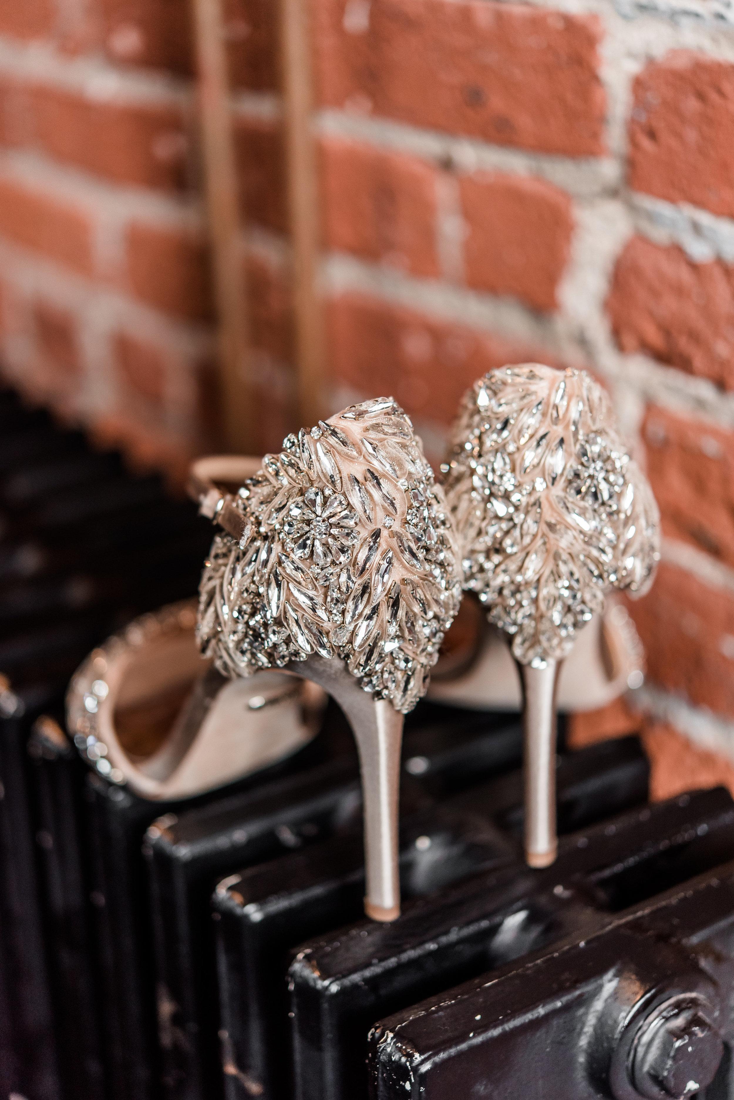 lancaster-wedding-photographer-corkfactory-hotel-industrial-glam-exposedbrick-hayleypaige0212.jpg