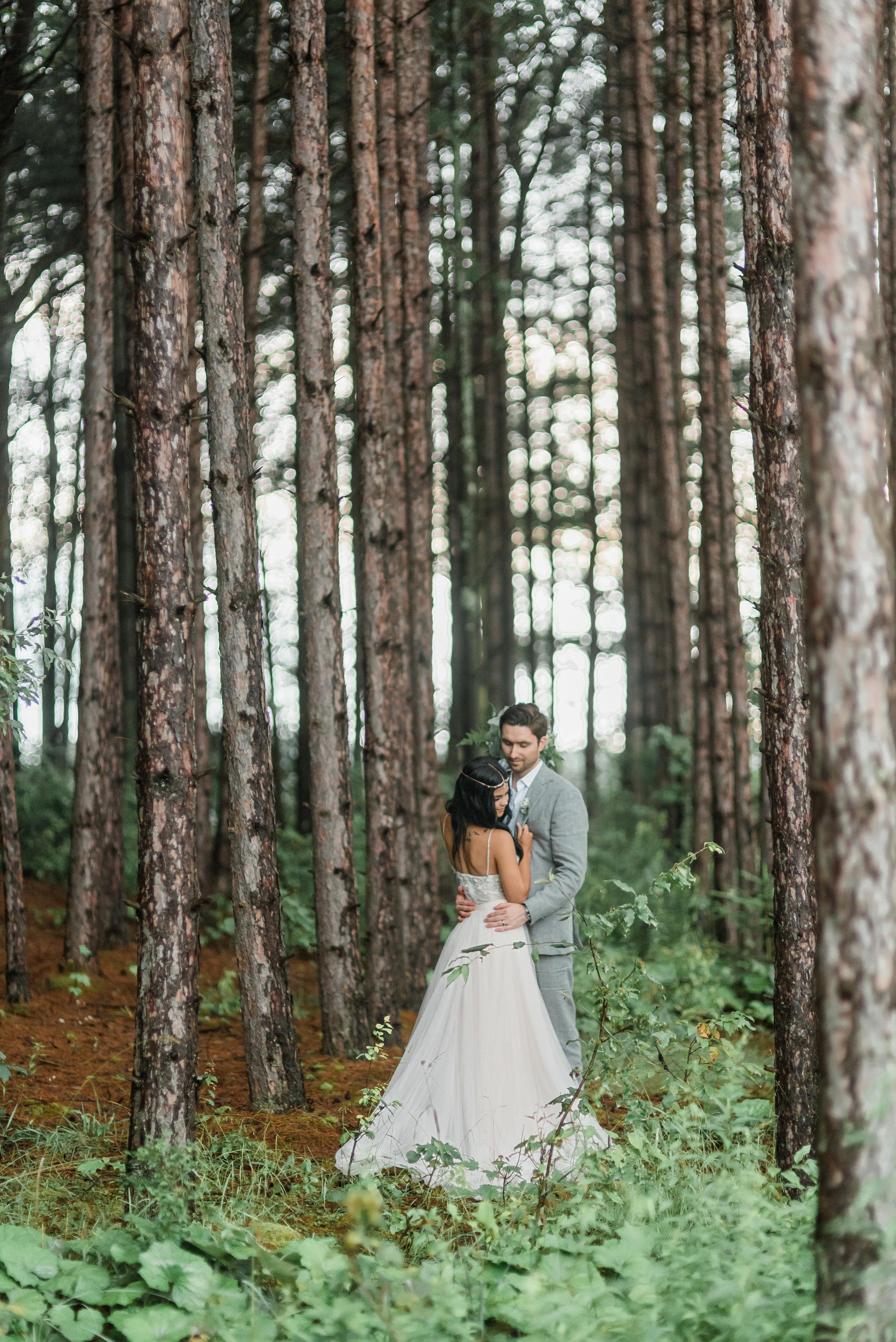 pittsburgh-wedding-photographer-horizonviewfarms-barn-farm-boho-vegan-chic0328.jpg