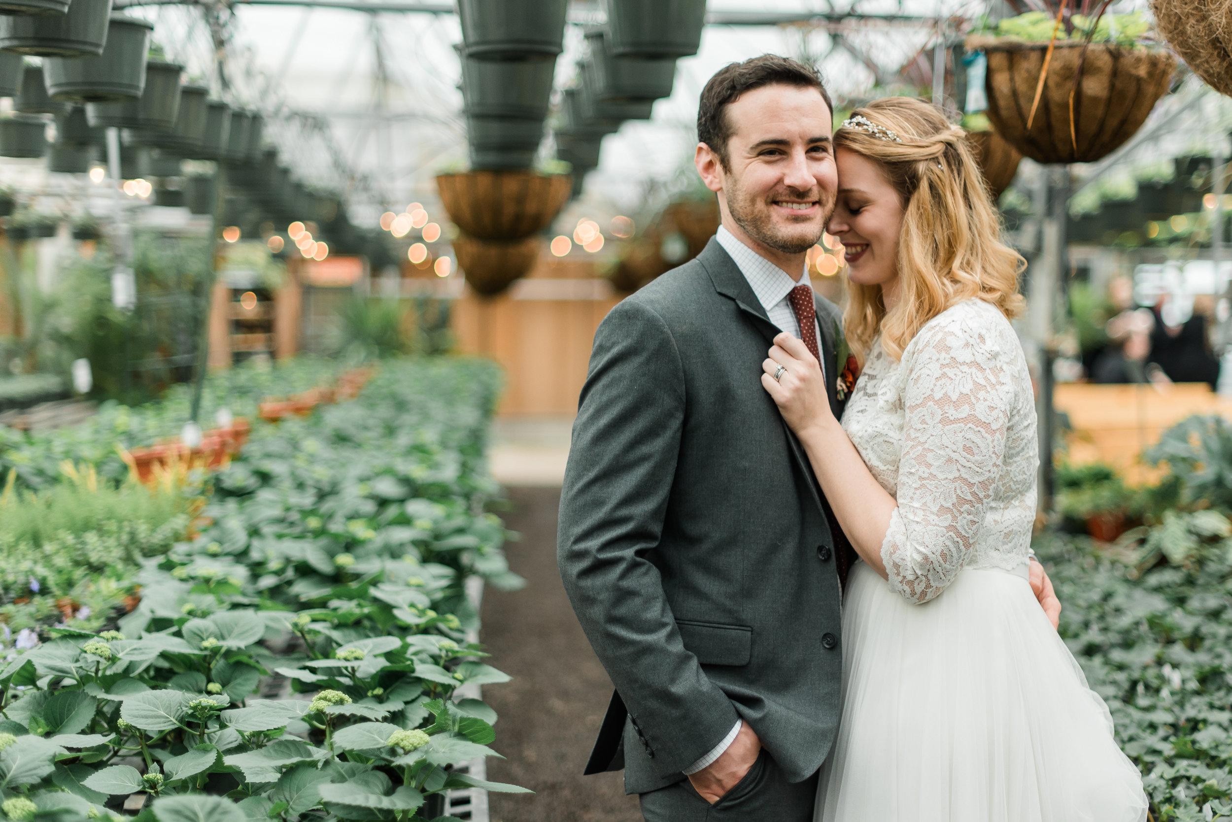 quality-gardens-valencia-wedding-snuggle.jpg
