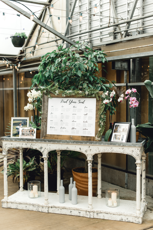 quality-gardens-valencia-wedding-seating.jpg