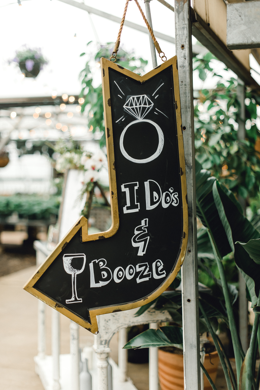 quality-gardens-valencia-wedding-sign.jpg