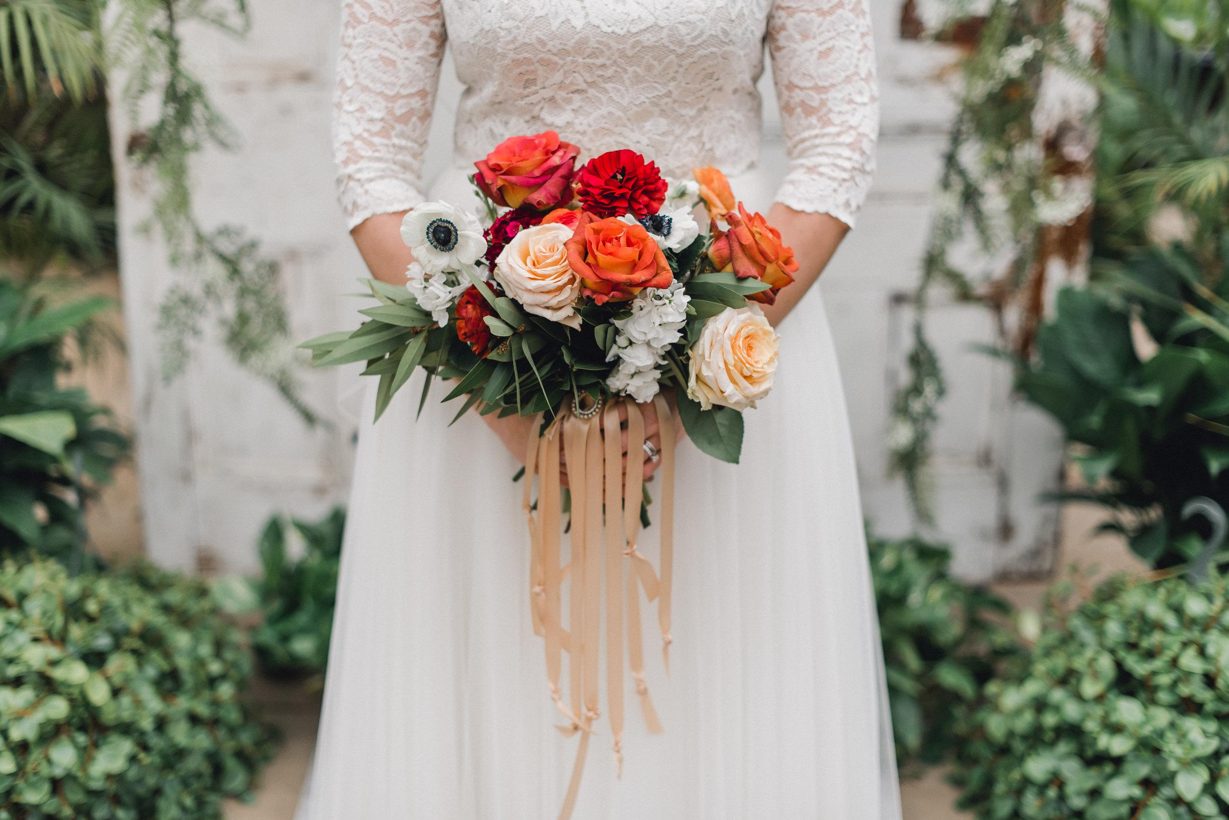 quality-gardens-valencia-wedding-bouquet.jpg