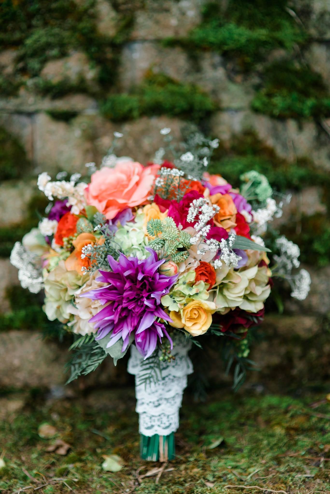 pennsylvania-backyard-wedding-love-diy-bohemian-romantic-colorful-0004.jpg
