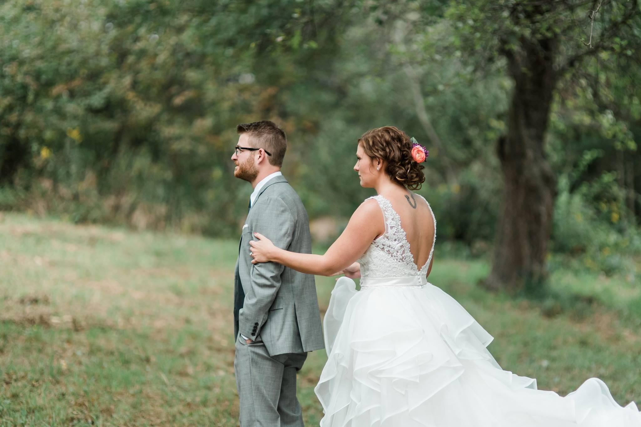 pennsylvania-backyard-wedding-love-diy-bohemian-romantic-colorful-0010.jpg