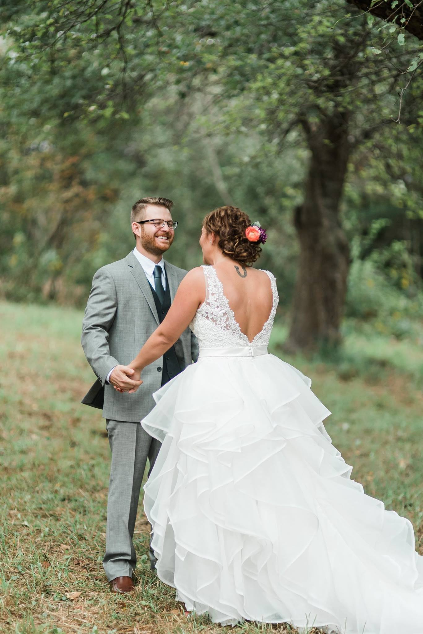 pennsylvania-backyard-wedding-love-diy-bohemian-romantic-colorful-0011.jpg