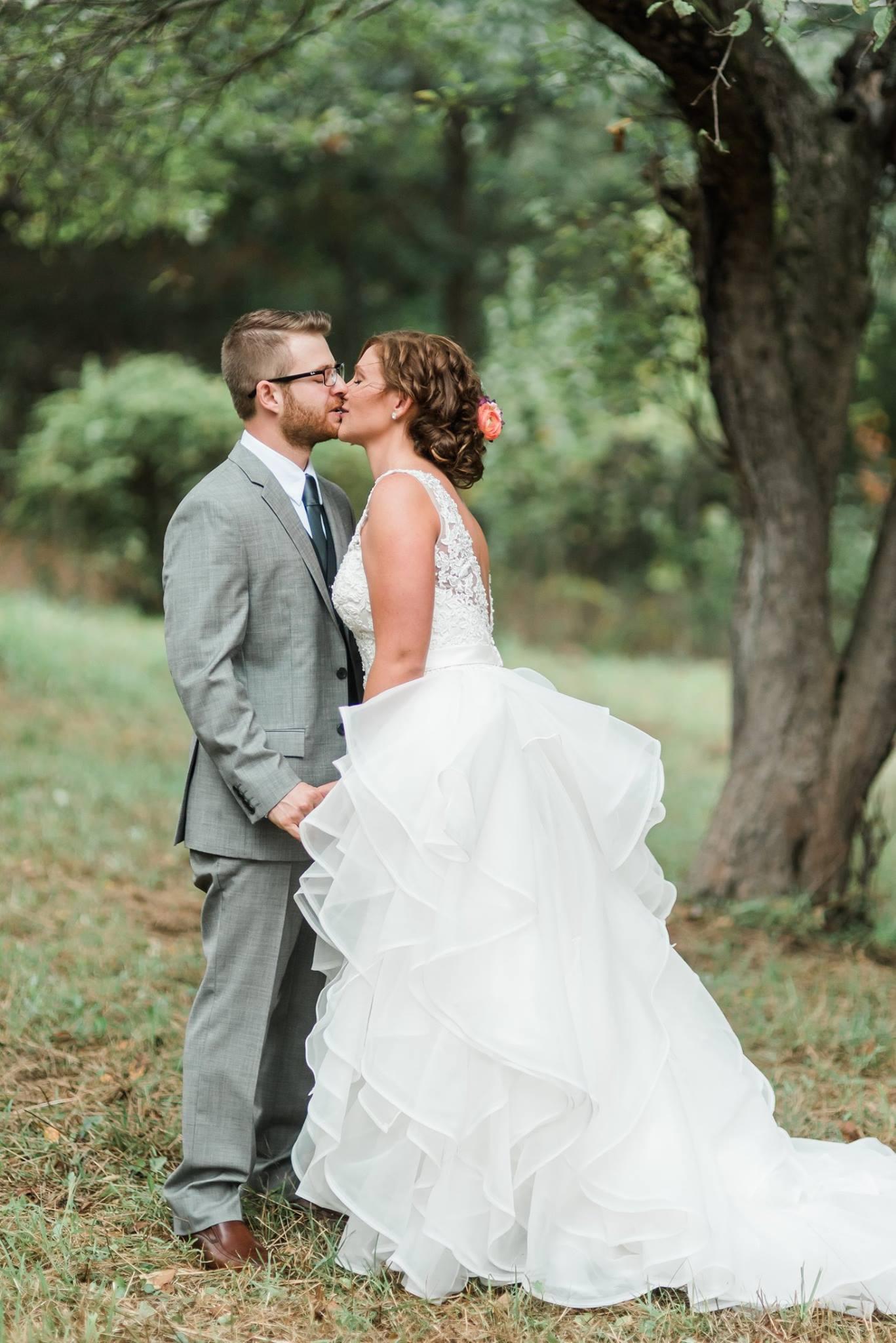 pennsylvania-backyard-wedding-love-diy-bohemian-romantic-colorful-0012.jpg