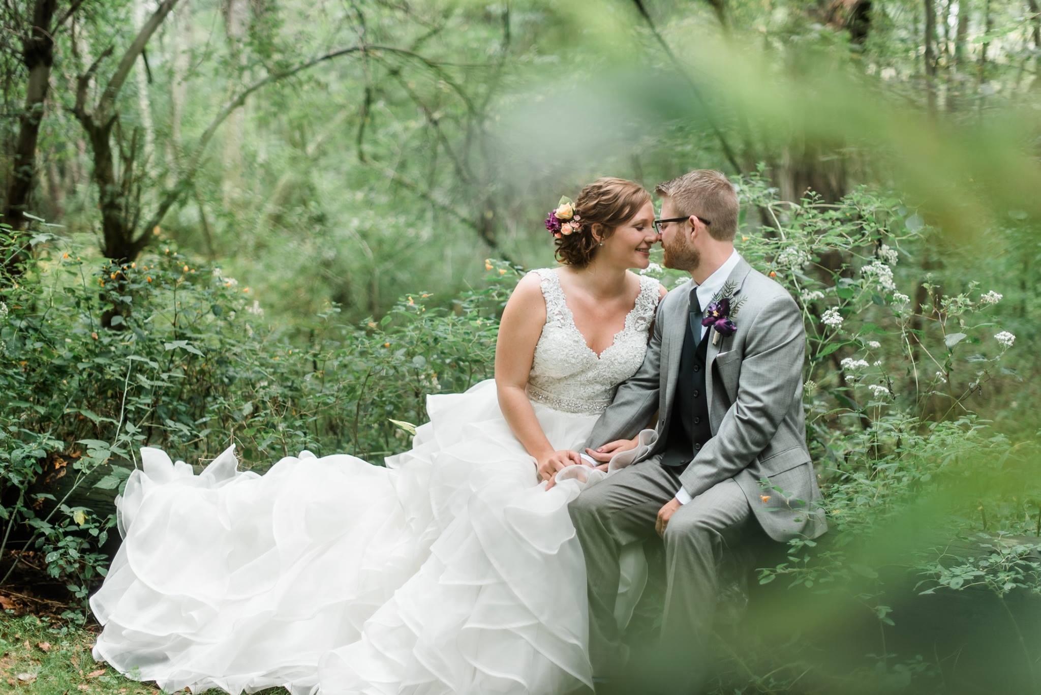 pennsylvania-backyard-wedding-love-diy-bohemian-romantic-colorful-0018.jpg