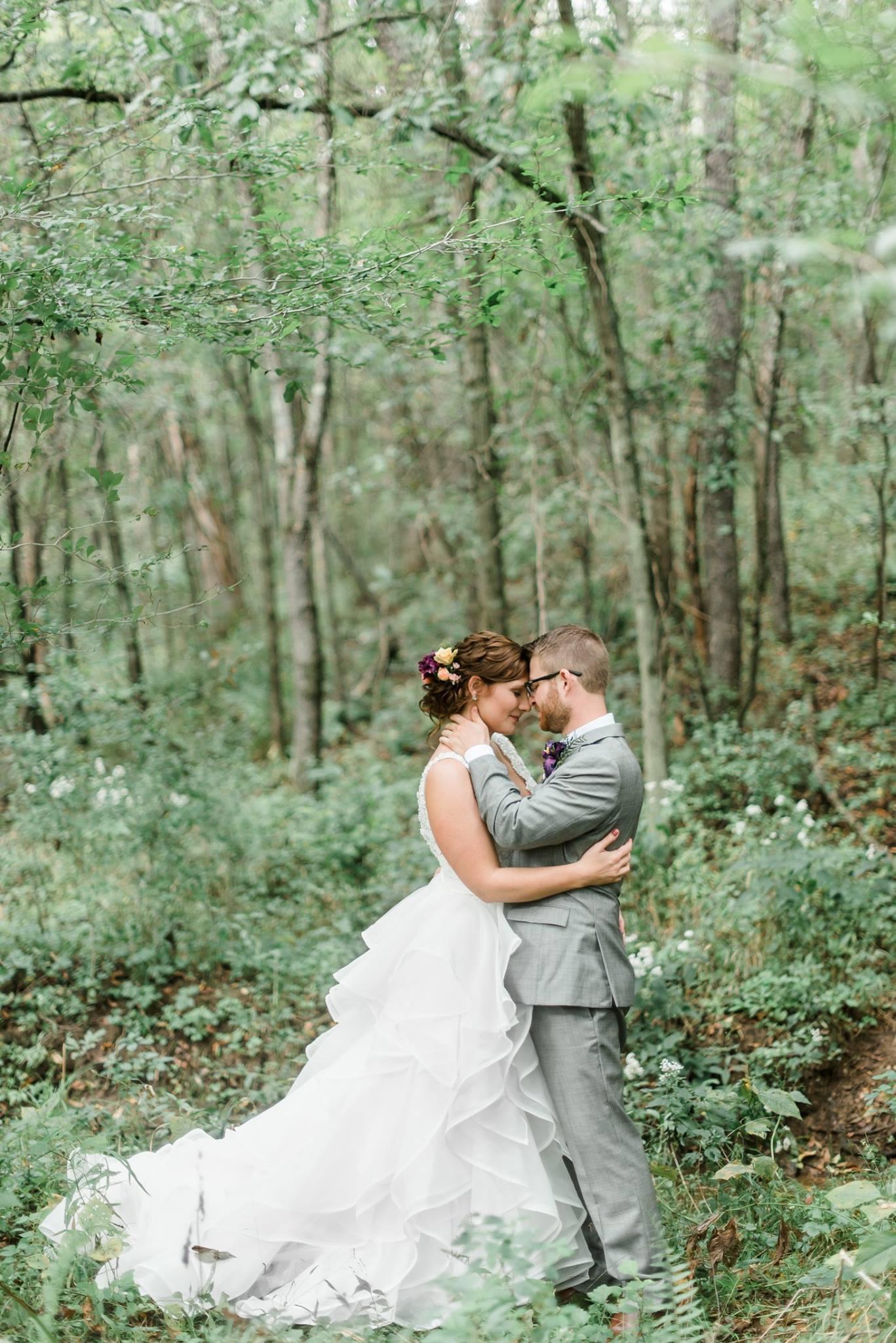 pennsylvania-backyard-wedding-love-diy-bohemian-romantic-colorful-0020.jpg