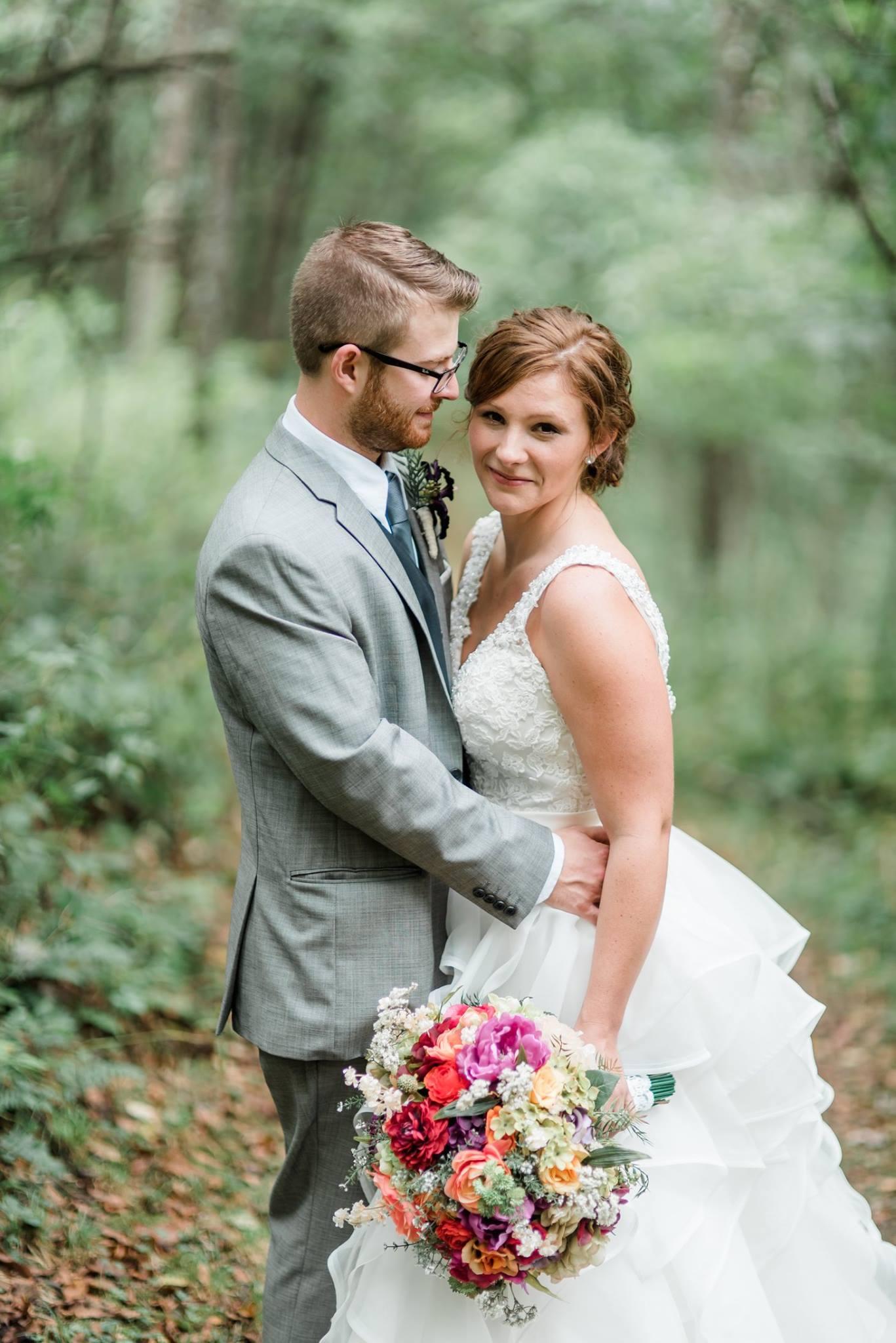 pennsylvania-backyard-wedding-love-diy-bohemian-romantic-colorful-0022.jpg