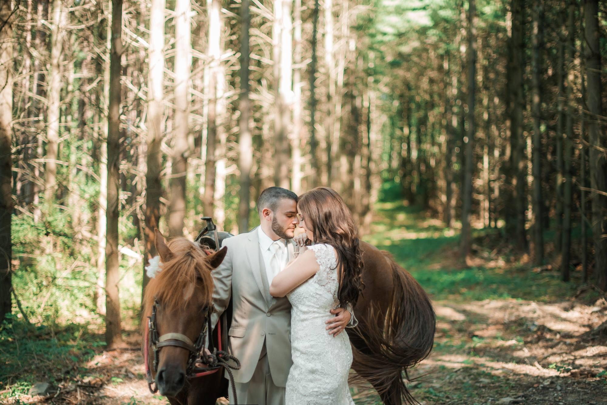 horizon-view-farms-pennsylvania-wedding-barn-rustic-country-0013.jpg