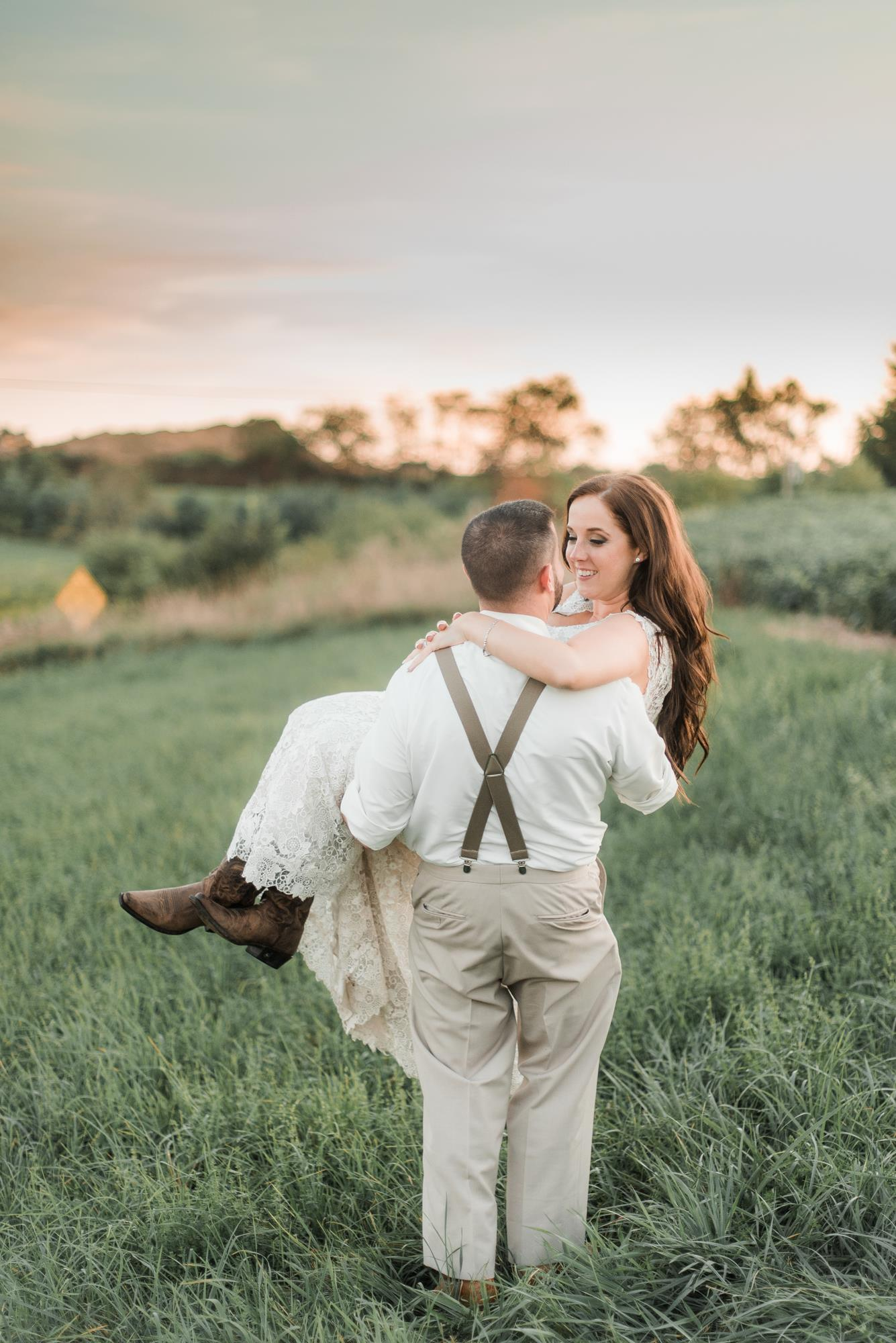 horizon-view-farms-pennsylvania-wedding-barn-rustic-country-0024.jpg