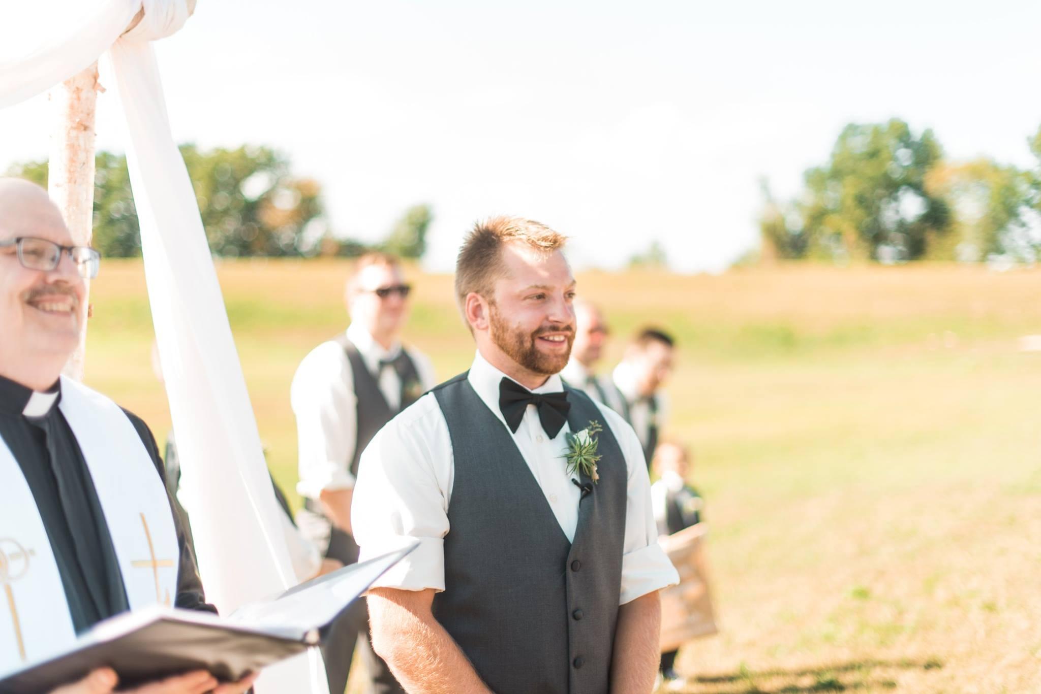 white-barn-pennsylvania-wedding-glam-rustic-farm-0012.jpg