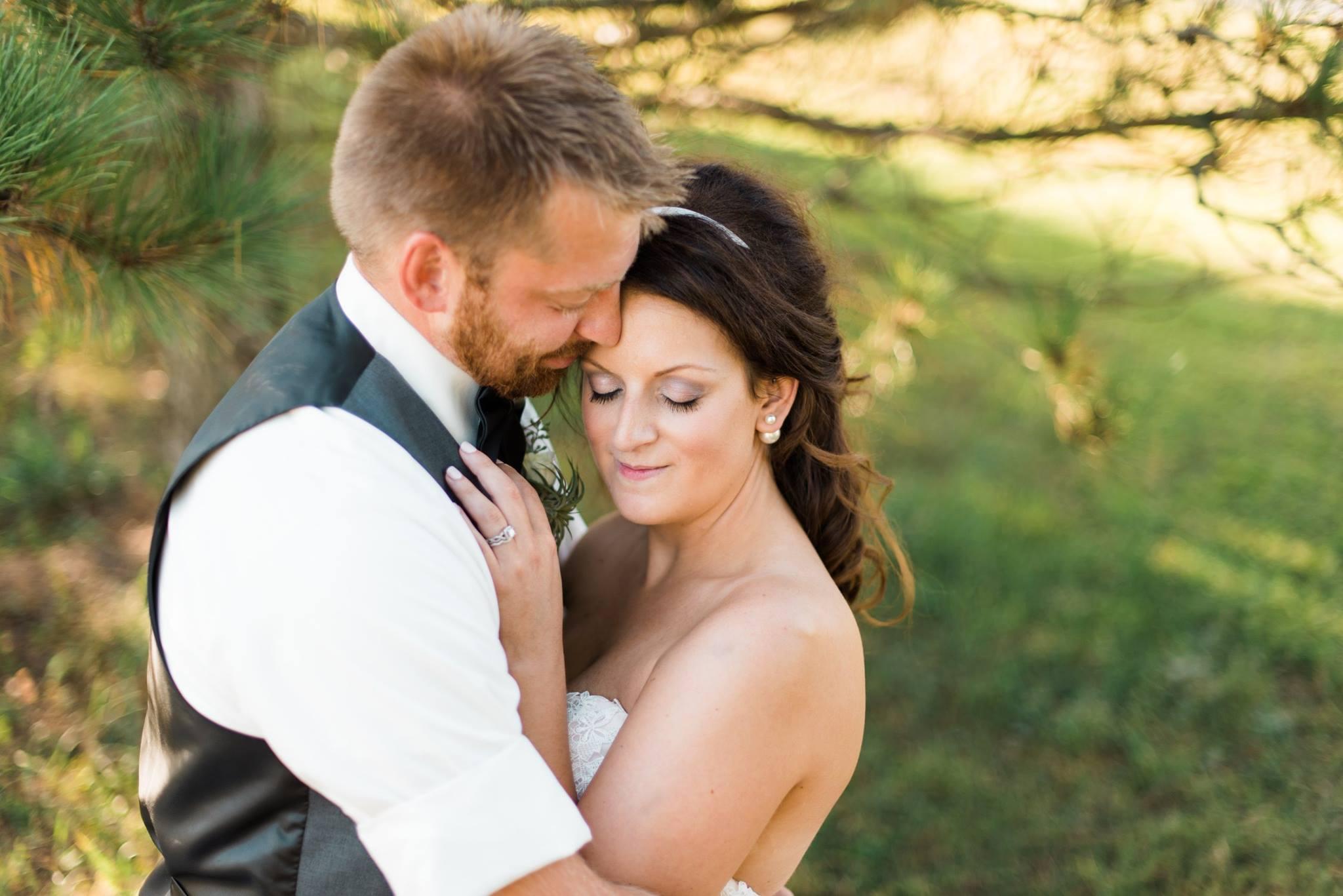 white-barn-pennsylvania-wedding-glam-rustic-farm-0021.jpg