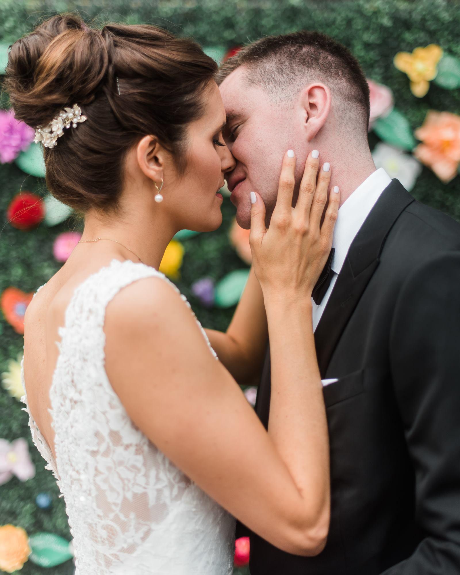 pittsburgh-pennsylvania-backyard-glam-chic-modern-classic-wedding-0013.jpg