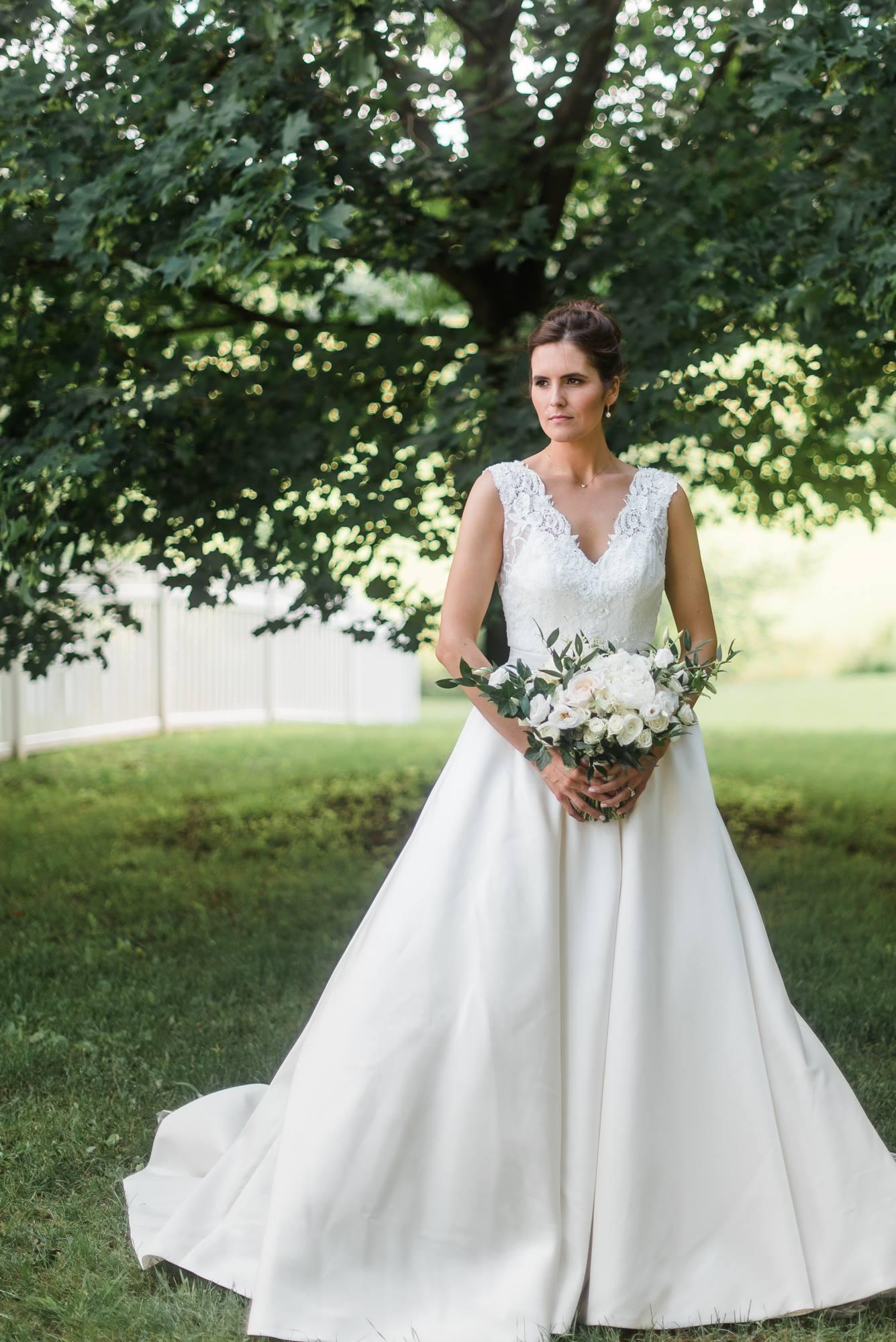 pittsburgh-pennsylvania-backyard-glam-chic-modern-classic-wedding-0015.jpg