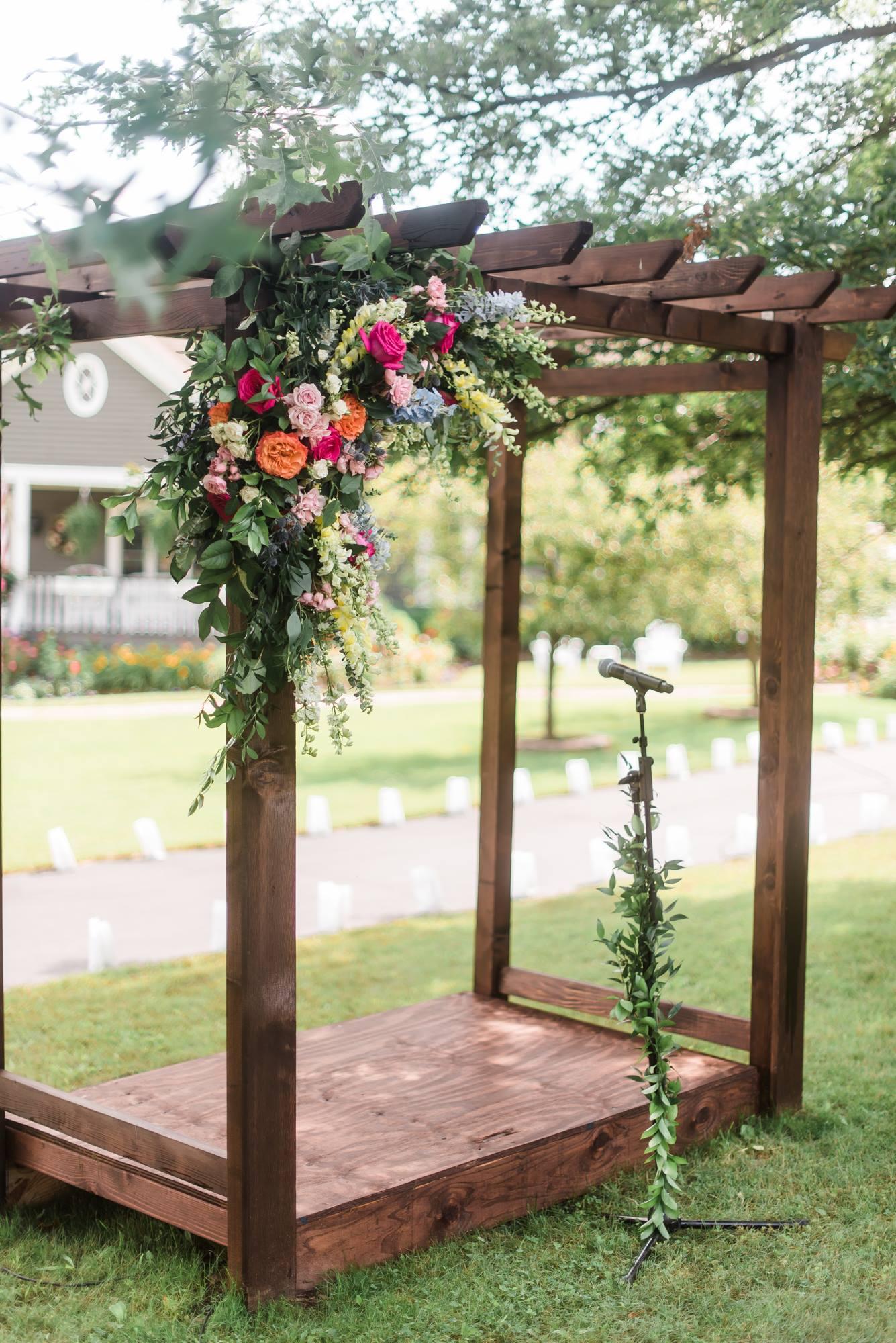 pittsburgh-pennsylvania-backyard-glam-chic-modern-classic-wedding-0019.jpg
