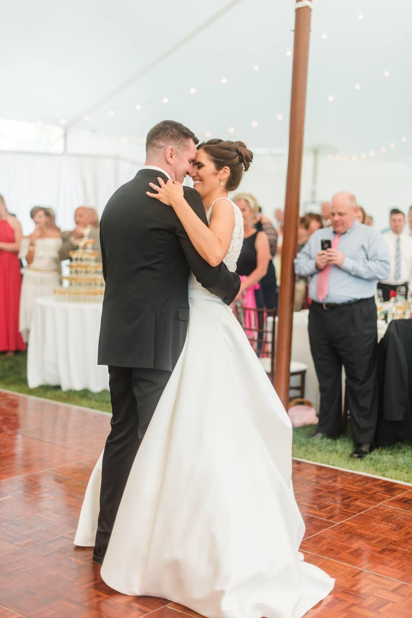 pittsburgh-pennsylvania-backyard-glam-chic-modern-classic-wedding-0035.jpg