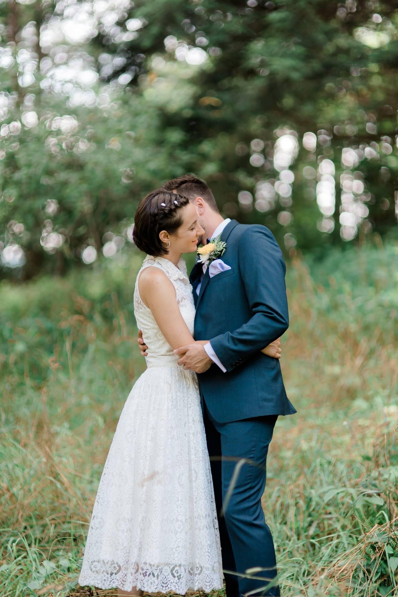 backyard-farm-barn-mountaintop-pennsylvania-wedding-0015.jpg