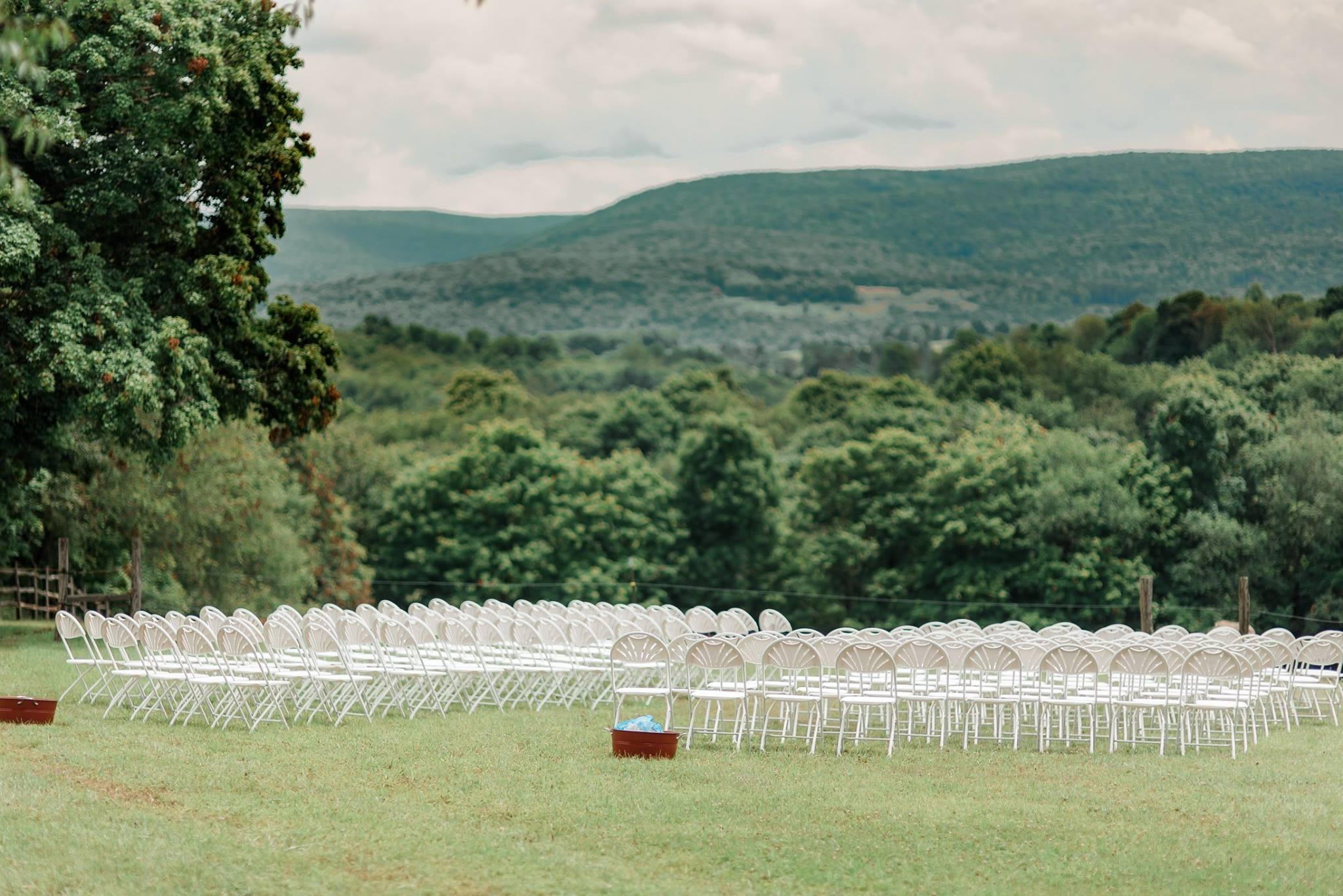 backyard-farm-barn-mountaintop-pennsylvania-wedding-0021.jpg
