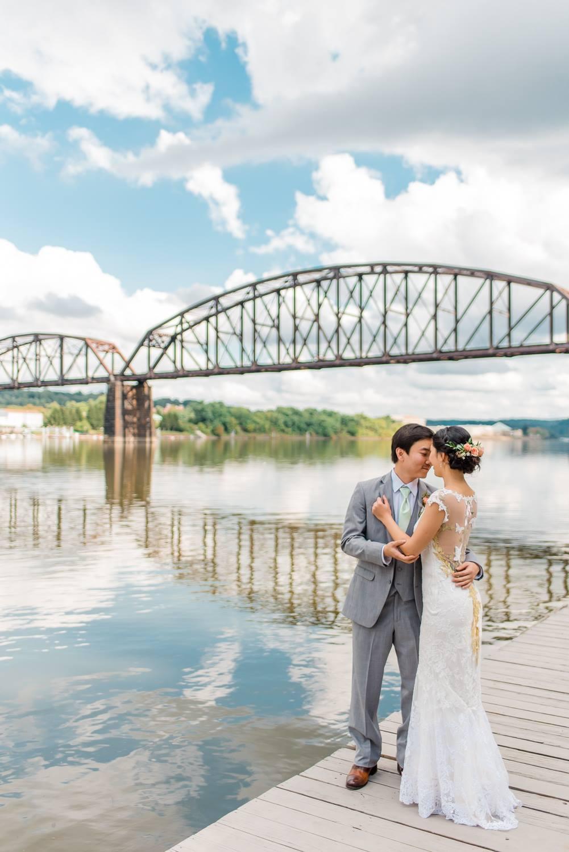 choderwood-pittsburgh-riverfront-diy-romantic-wedding0015.jpg