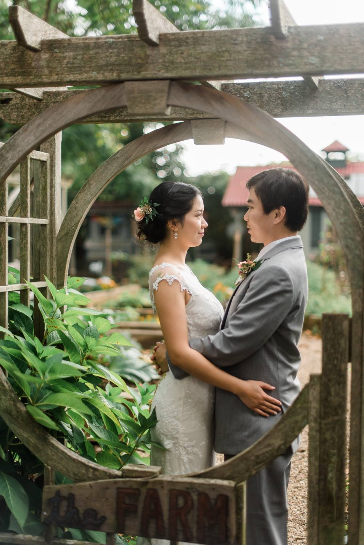 choderwood-pittsburgh-riverfront-diy-romantic-wedding0021.jpg