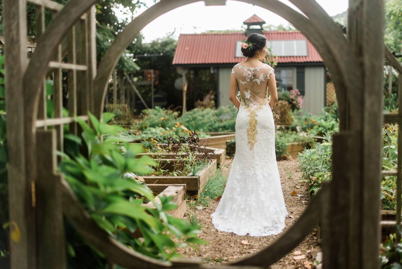 choderwood-pittsburgh-riverfront-diy-romantic-wedding0022.jpg