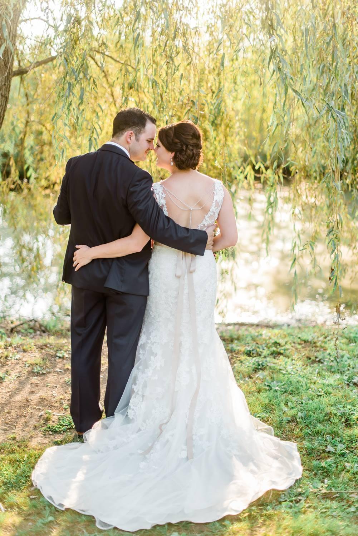 succop-conservancy-pennsylvania-outdoor-glam-jewel-tone-fall-autumn-wedding-0023.jpg