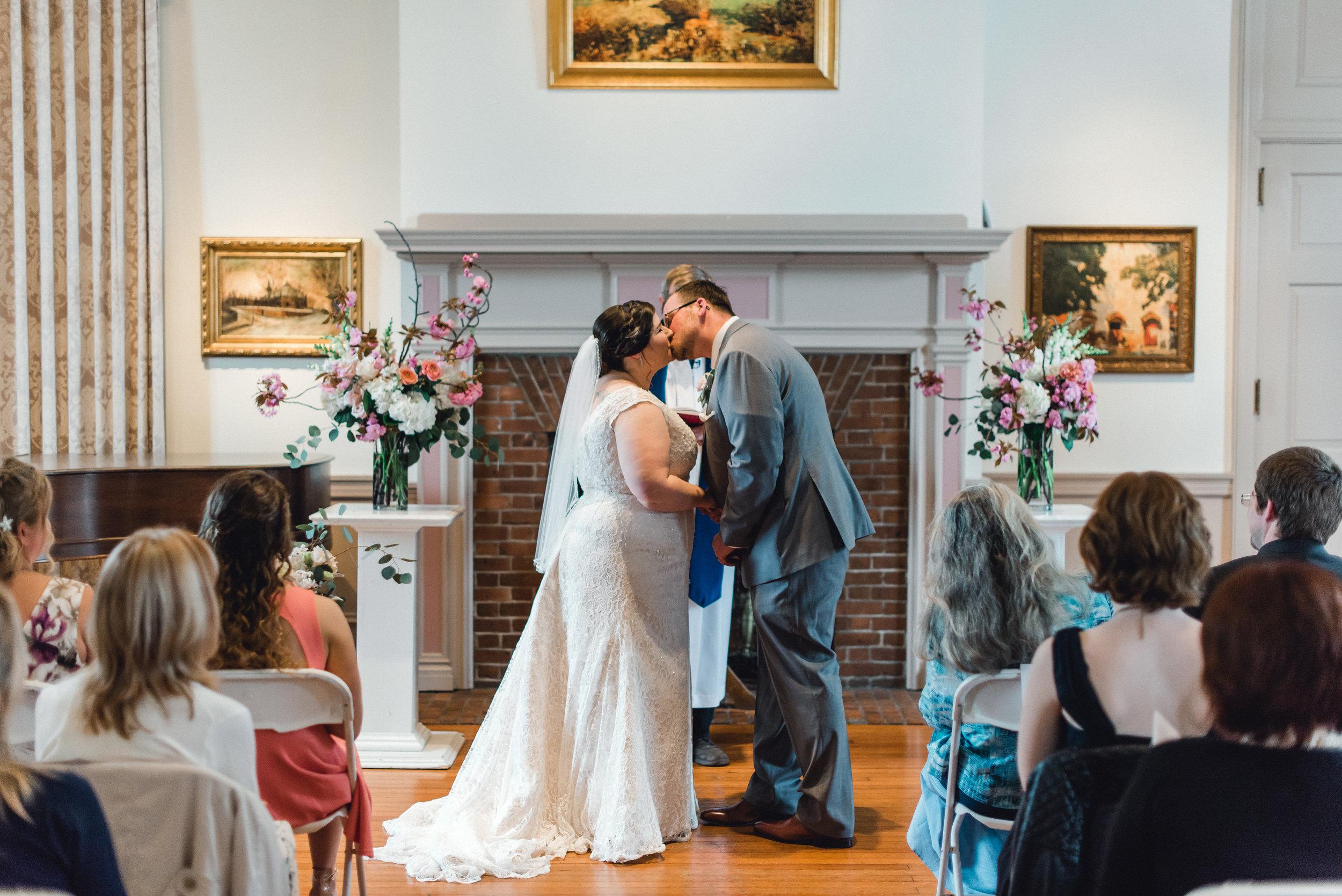 philadelphia-bucks-county-doylestown-mercer-museum-wedding-photographer-0029.jpg