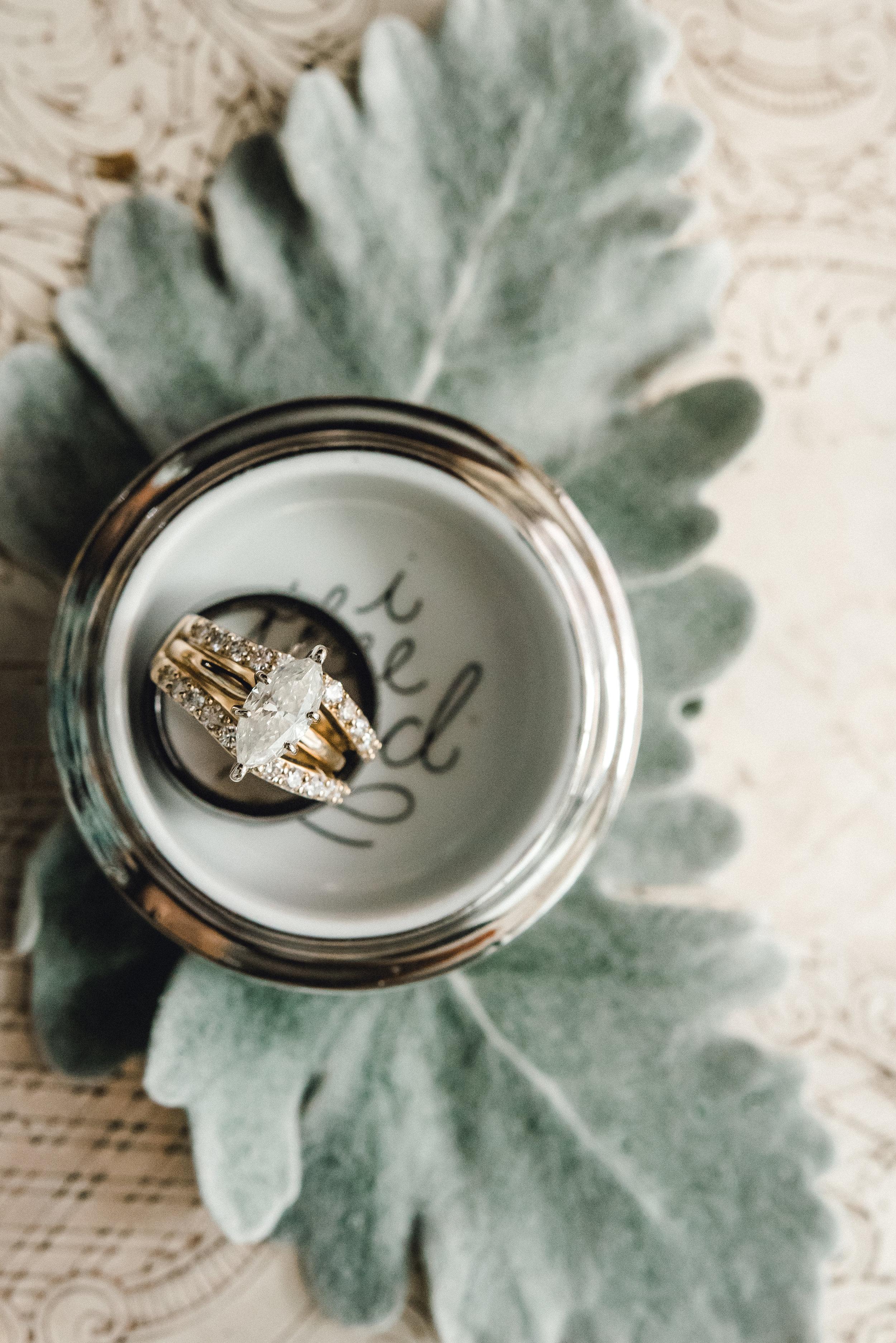 omni-william-penn-wedding-classic-chic-modern-photography-0003.jpg