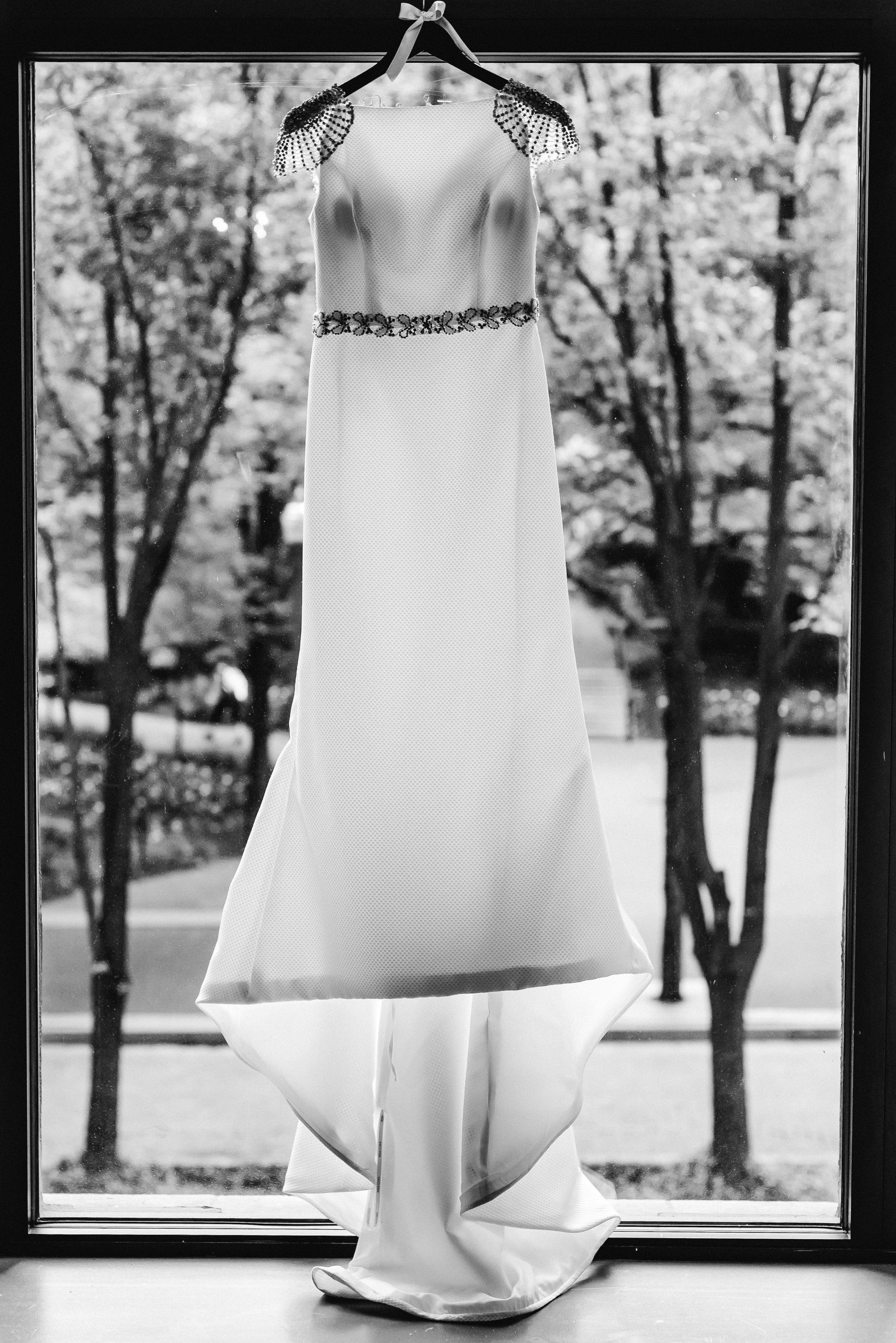 omni-william-penn-wedding-classic-chic-modern-photography-0007.jpg