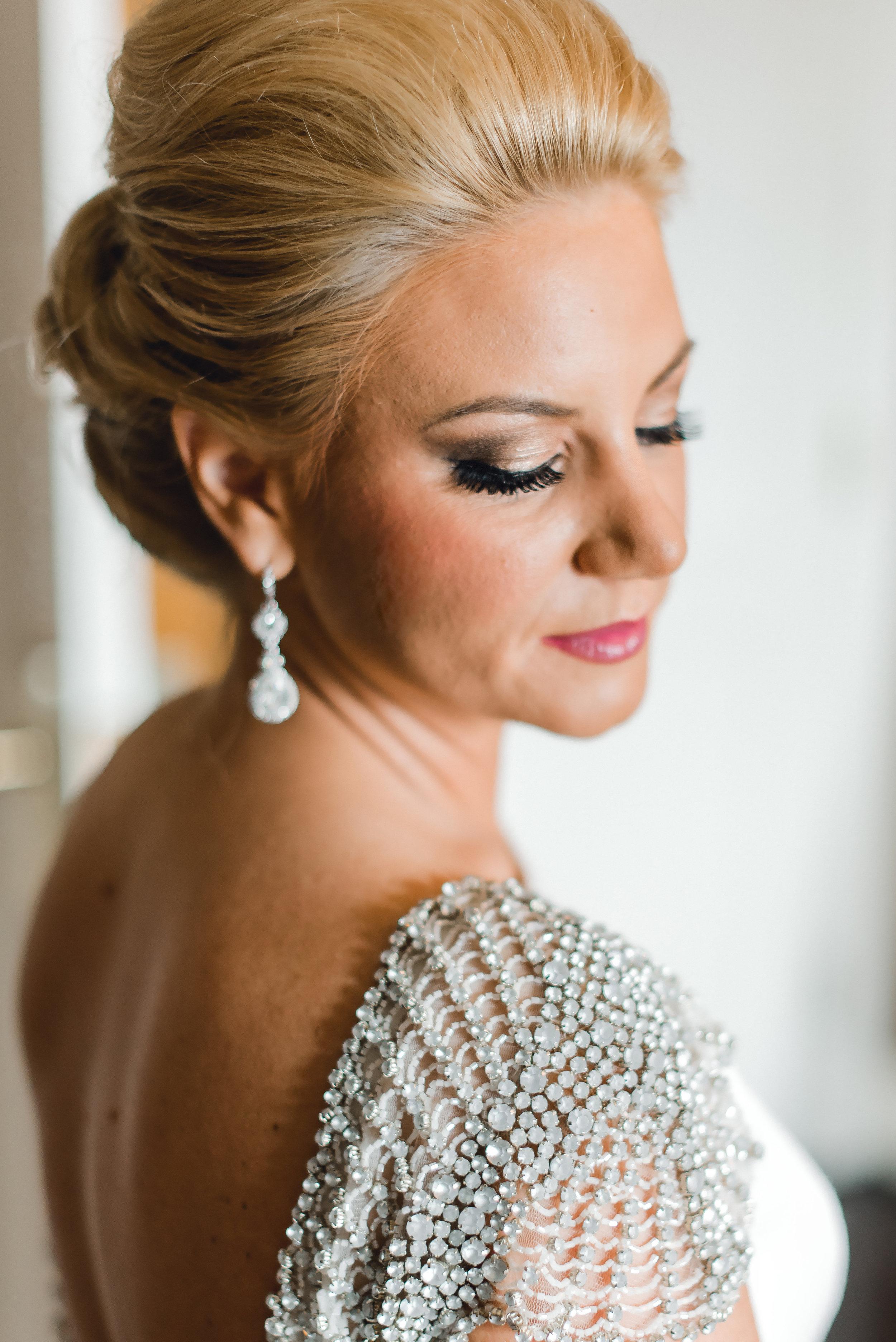 omni-william-penn-wedding-classic-chic-modern-photography-0012.jpg