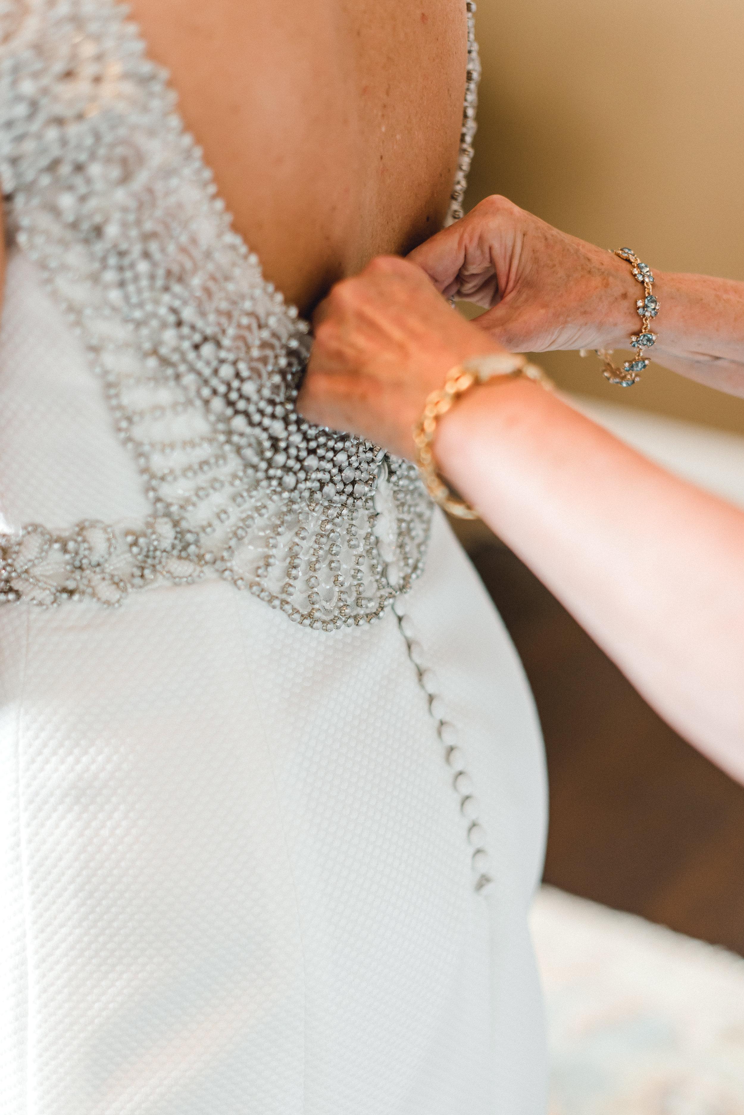 omni-william-penn-wedding-classic-chic-modern-photography-0013.jpg
