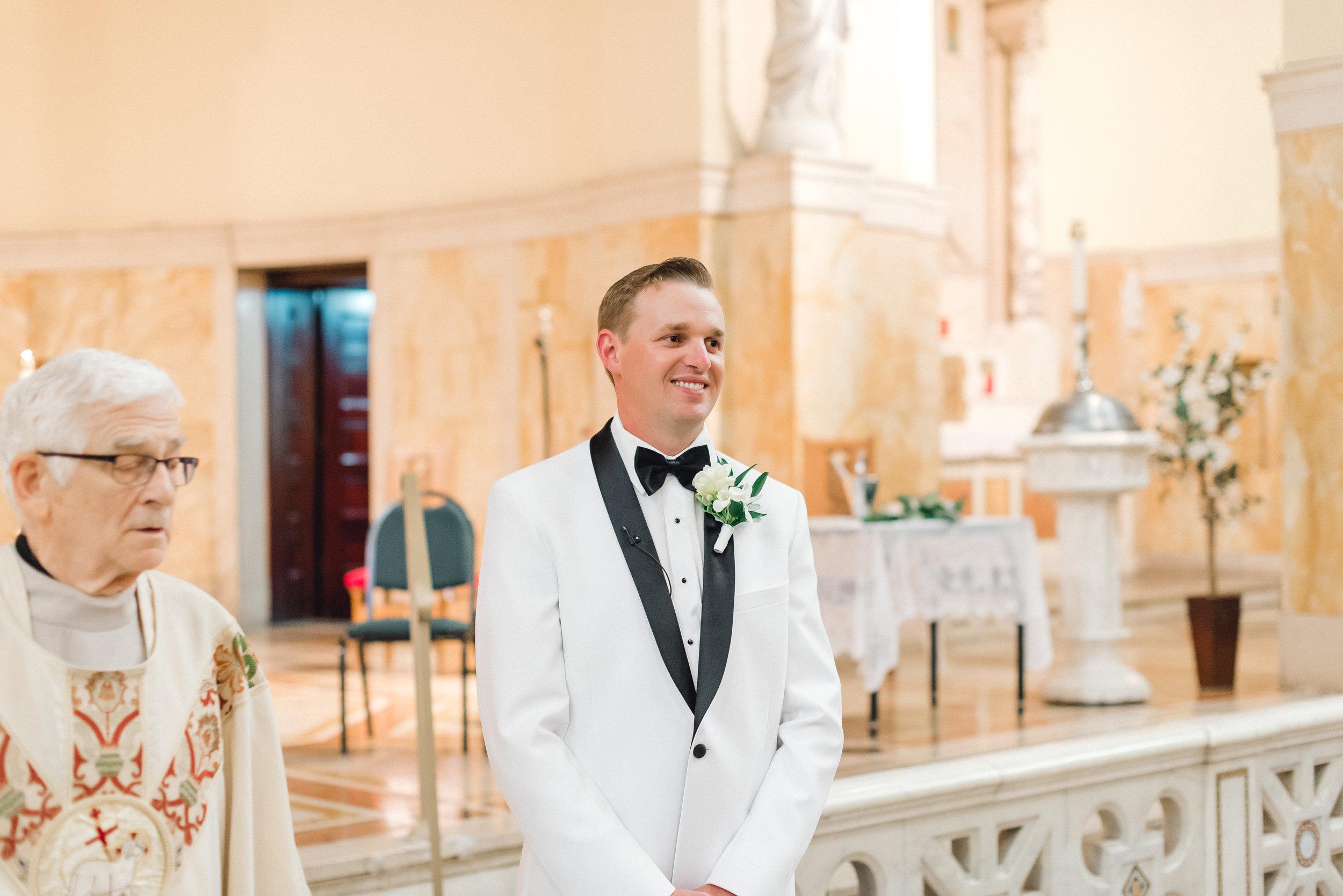 omni-william-penn-wedding-classic-chic-modern-photography-0016.jpg