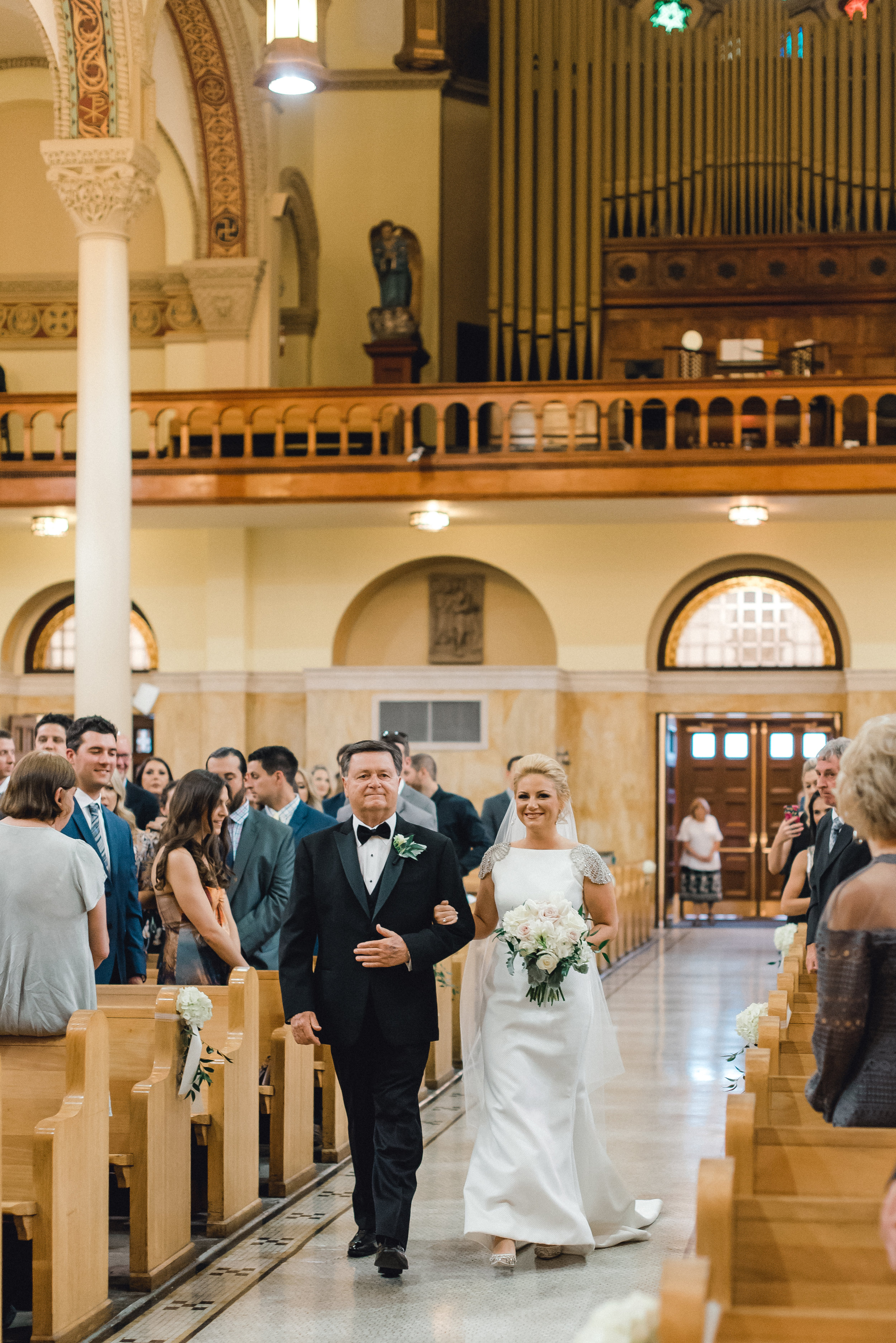 omni-william-penn-wedding-classic-chic-modern-photography-0017.jpg