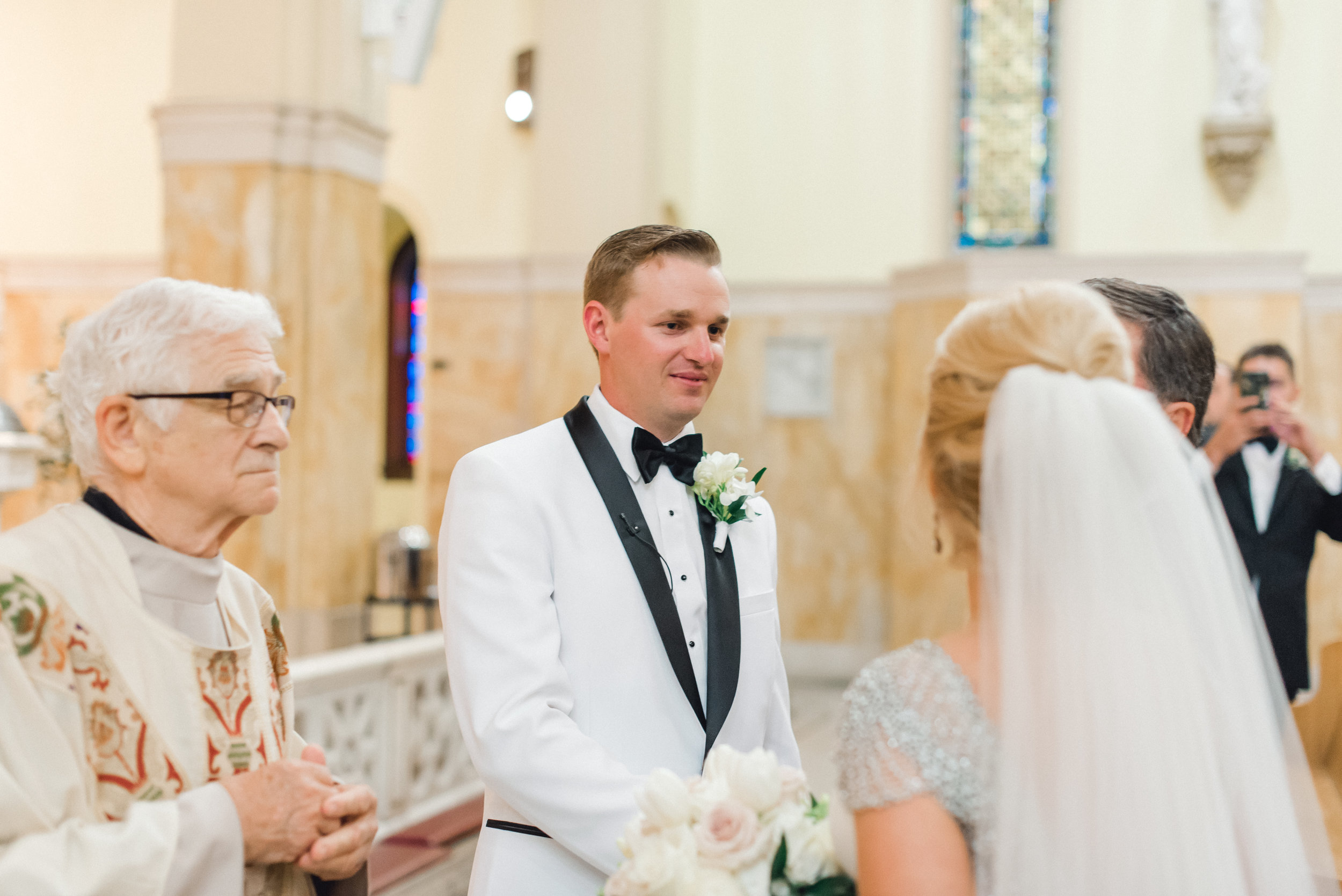 omni-william-penn-wedding-classic-chic-modern-photography-0018.jpg