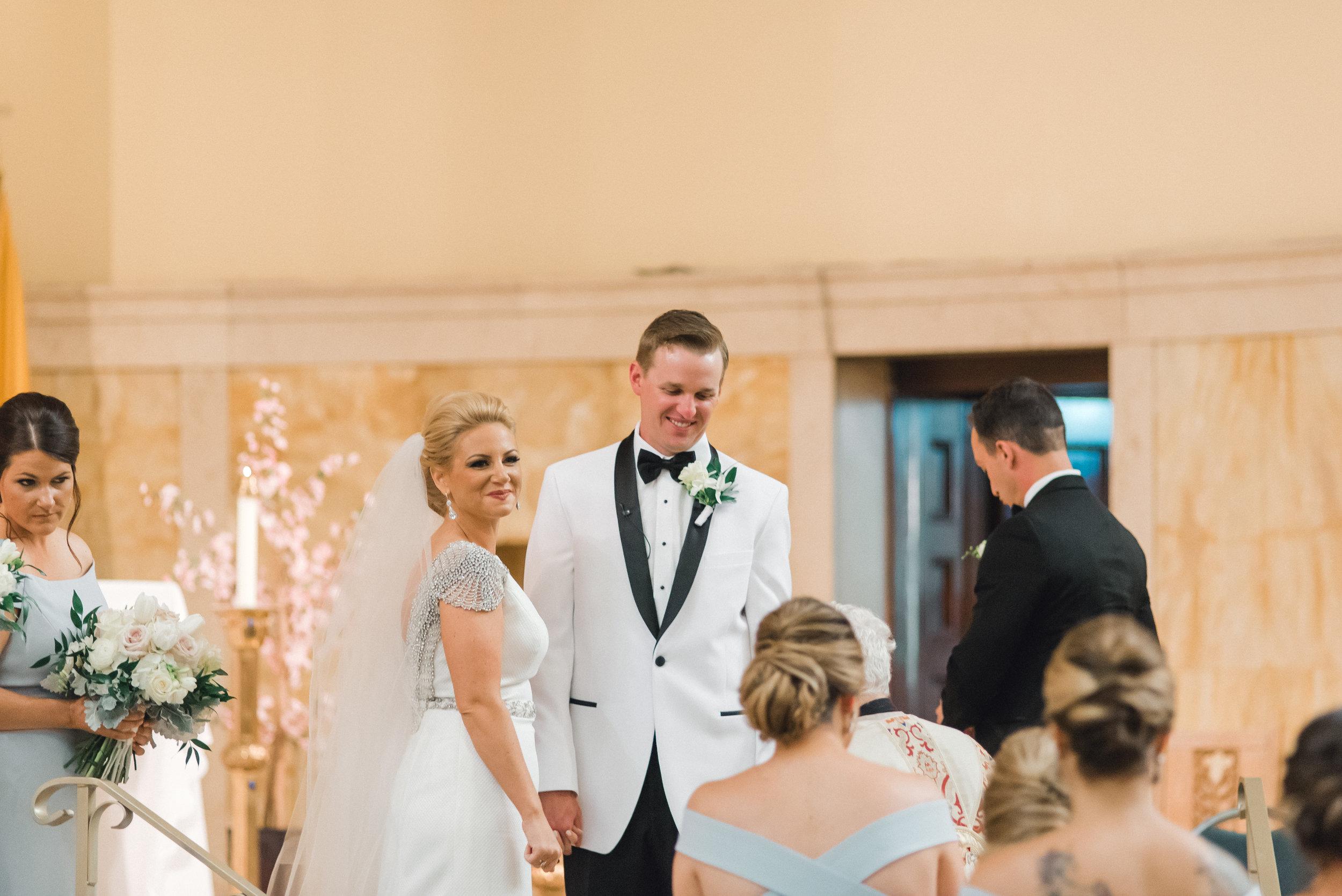 omni-william-penn-wedding-classic-chic-modern-photography-0020.jpg