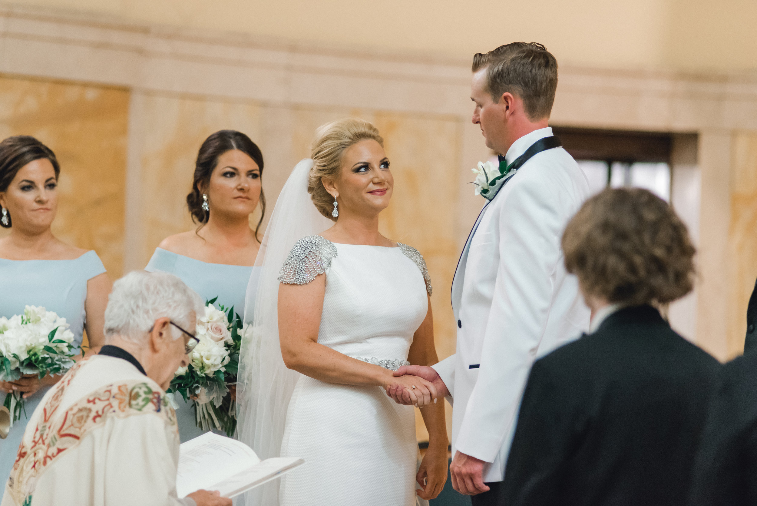omni-william-penn-wedding-classic-chic-modern-photography-0021.jpg