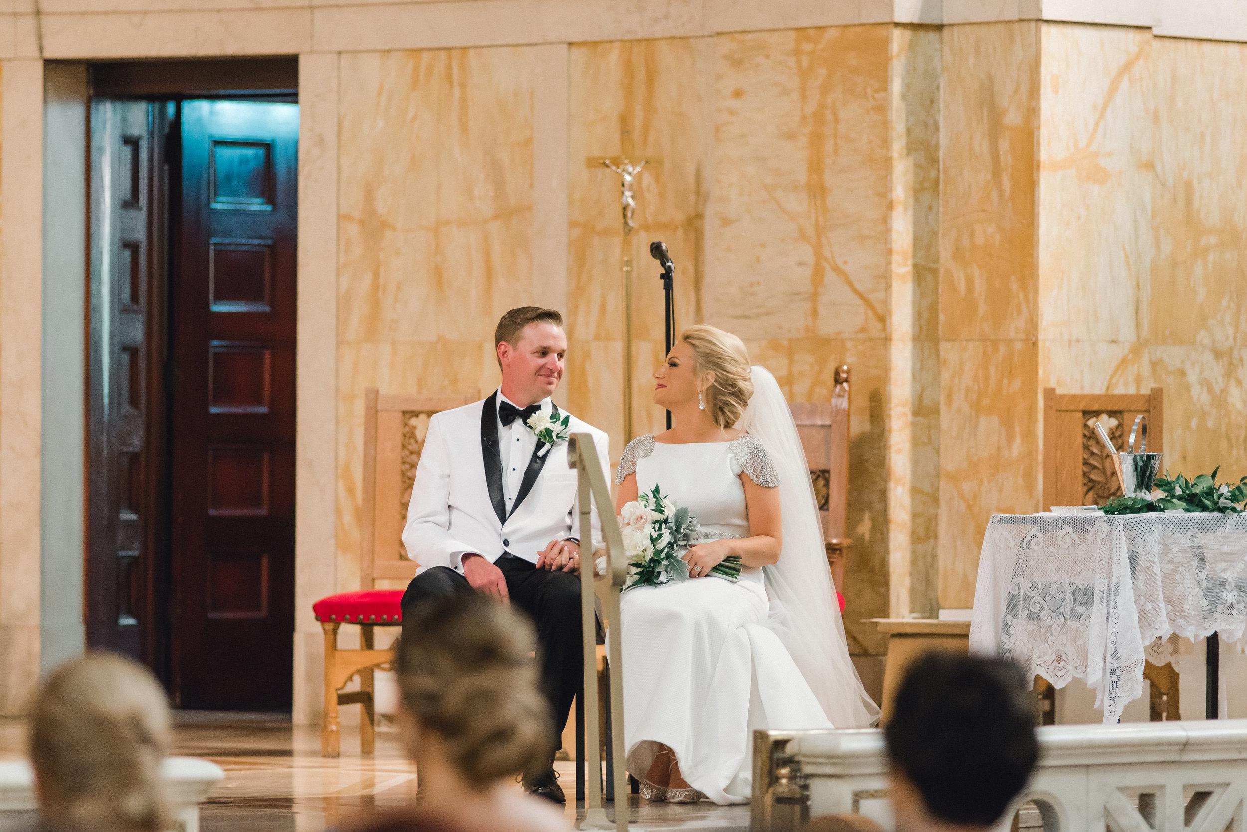 omni-william-penn-wedding-classic-chic-modern-photography-0022.jpg