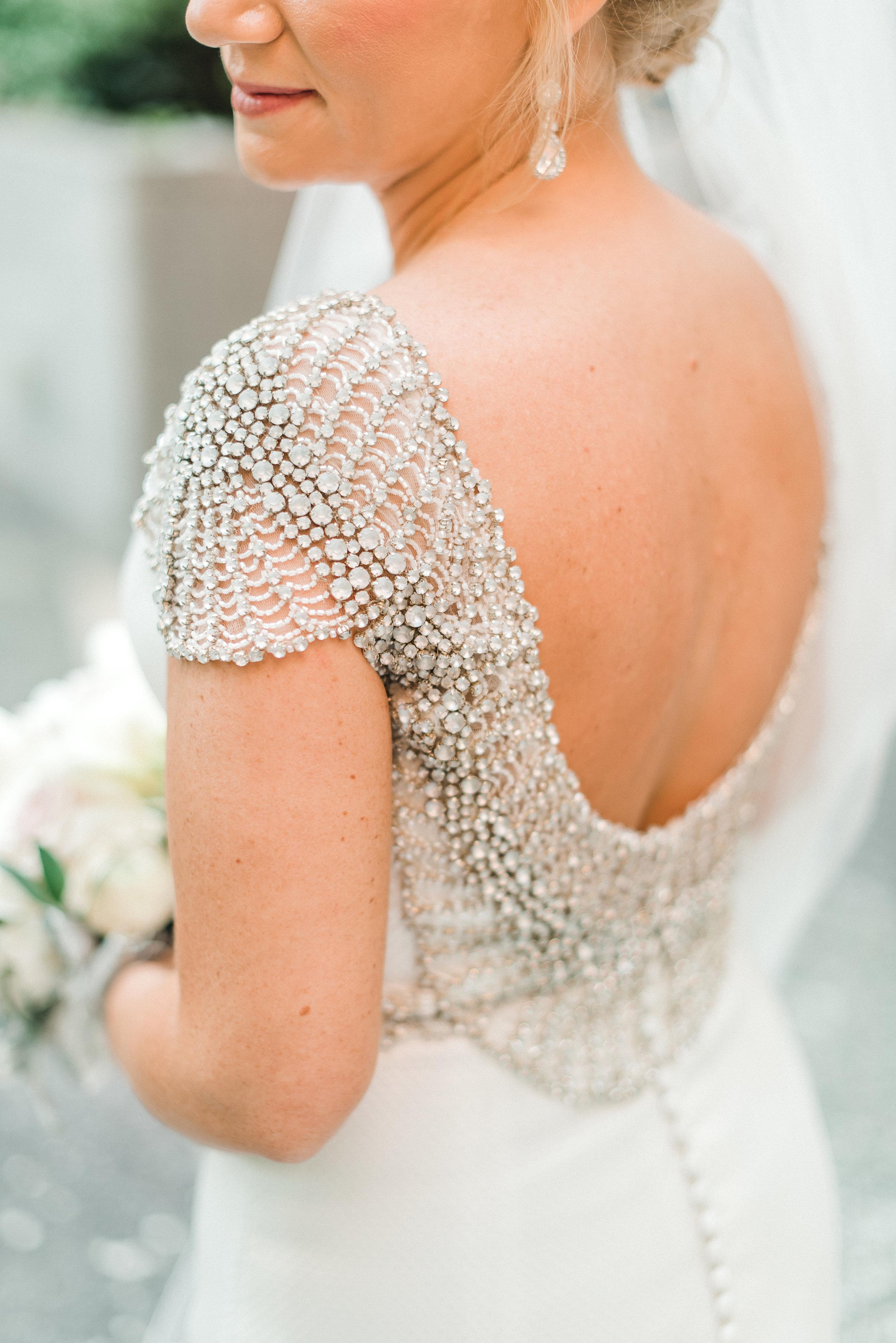 omni-william-penn-wedding-classic-chic-modern-photography-0030.jpg