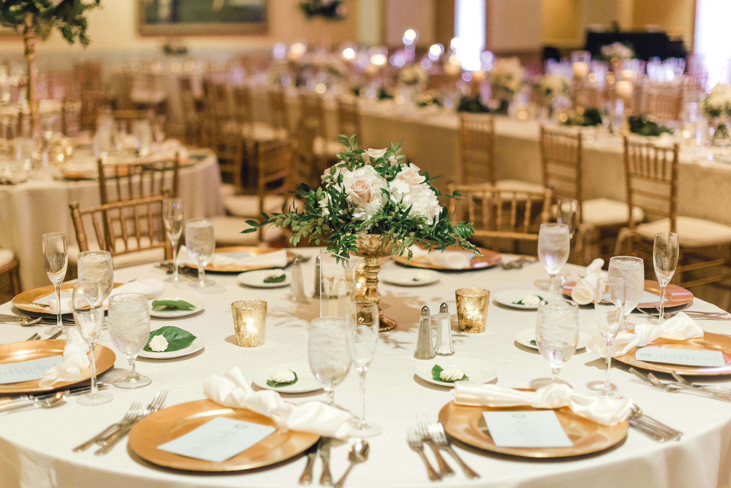 omni-william-penn-wedding-classic-chic-modern-photography-0033.jpg
