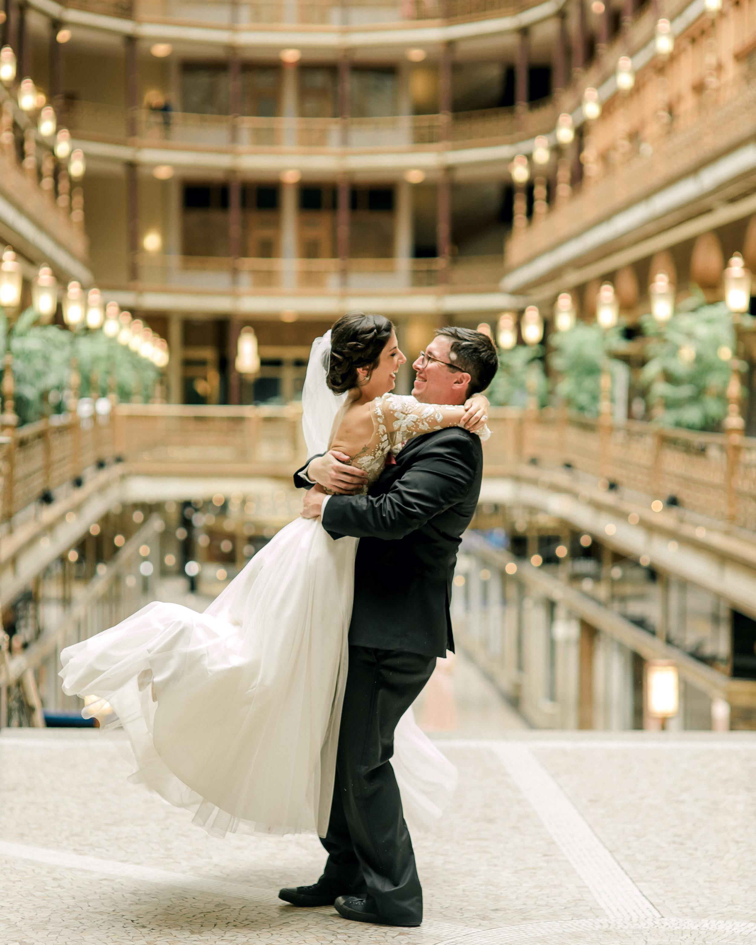 cleveland-wedding-photographer-great-lakes-brewing-arcade-0018.jpg