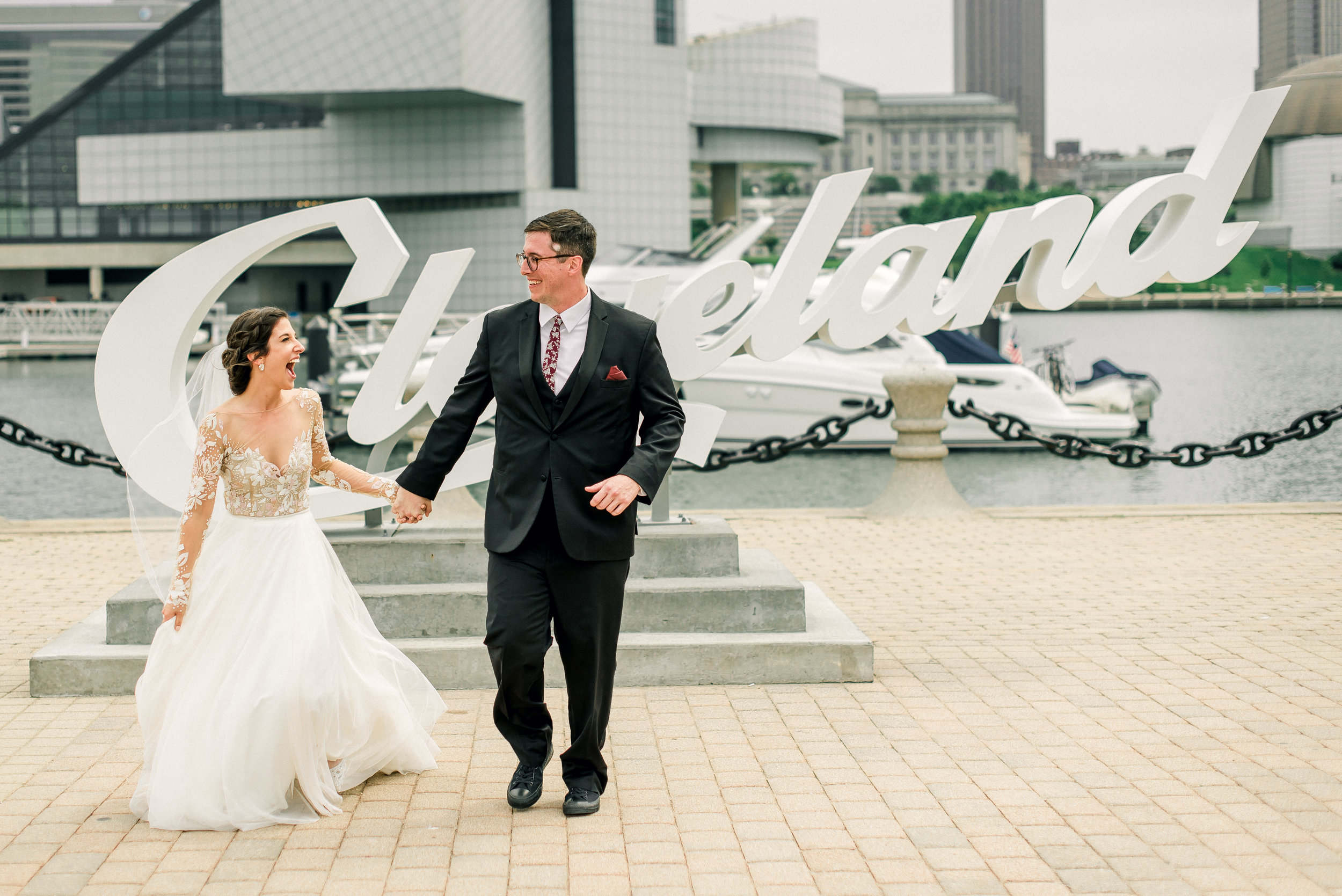 cleveland-wedding-photographer-great-lakes-brewing-arcade-0027.jpg