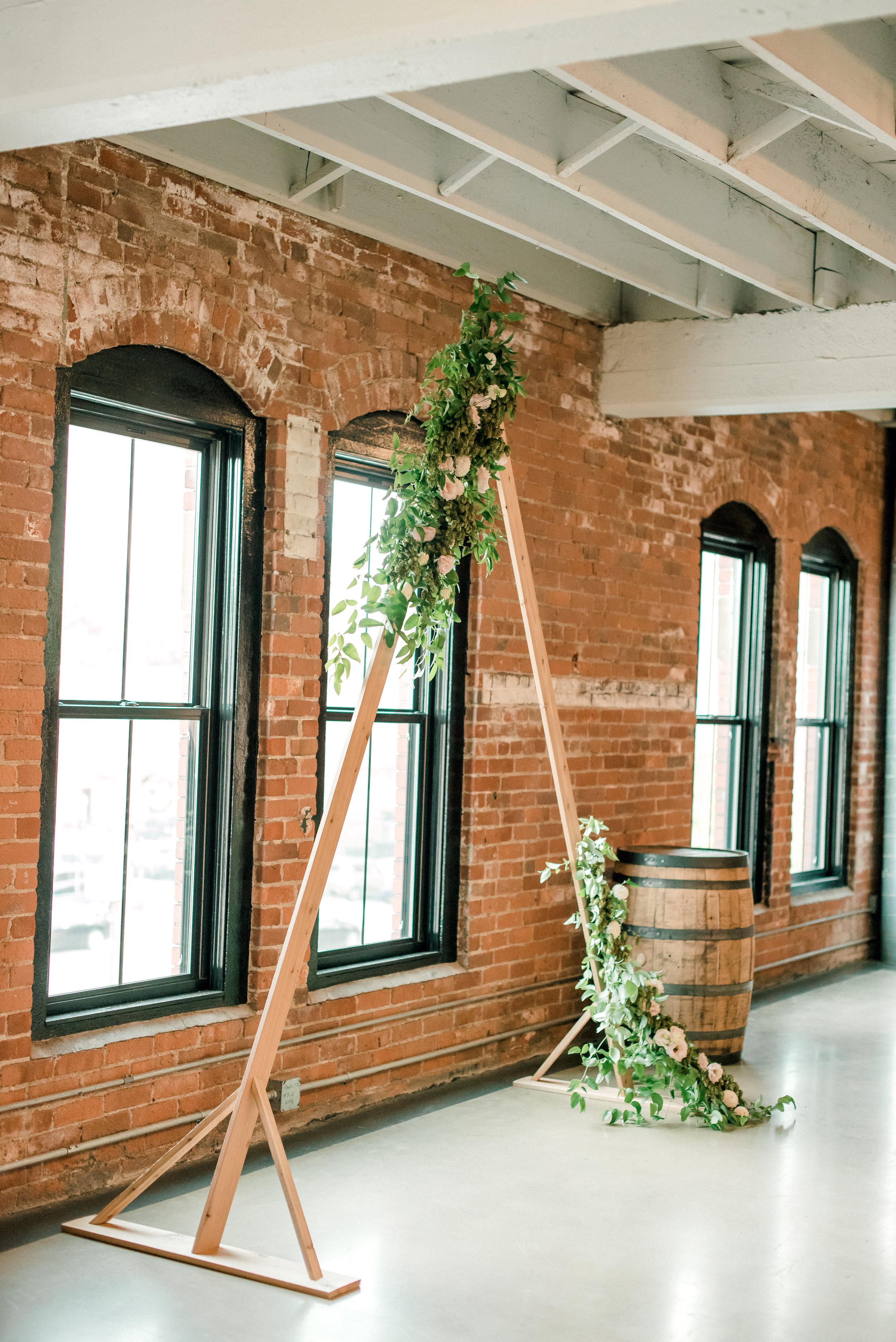 cleveland-wedding-photographer-great-lakes-brewing-arcade-0031.jpg