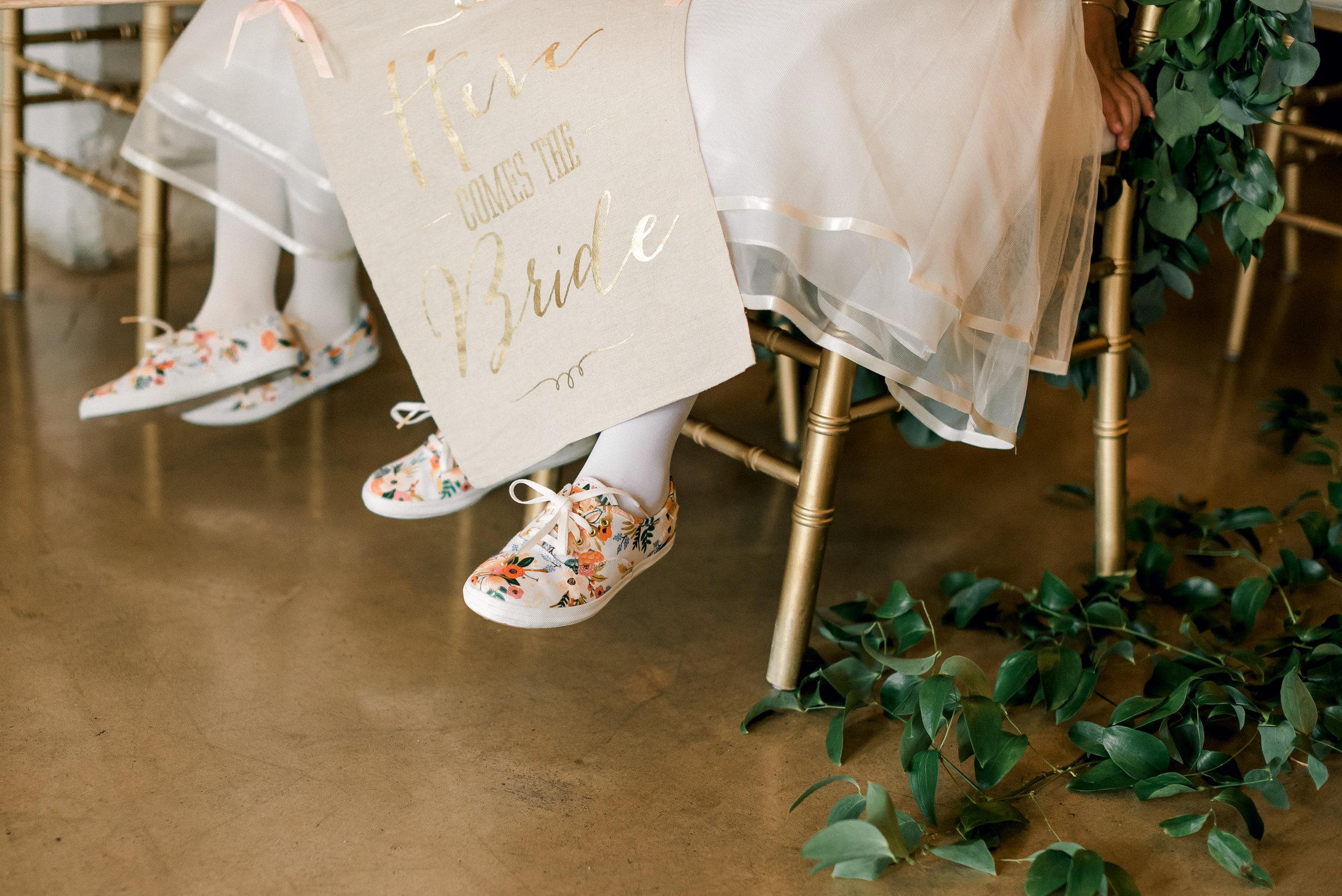 cleveland-wedding-photographer-great-lakes-brewing-arcade-0034.jpg